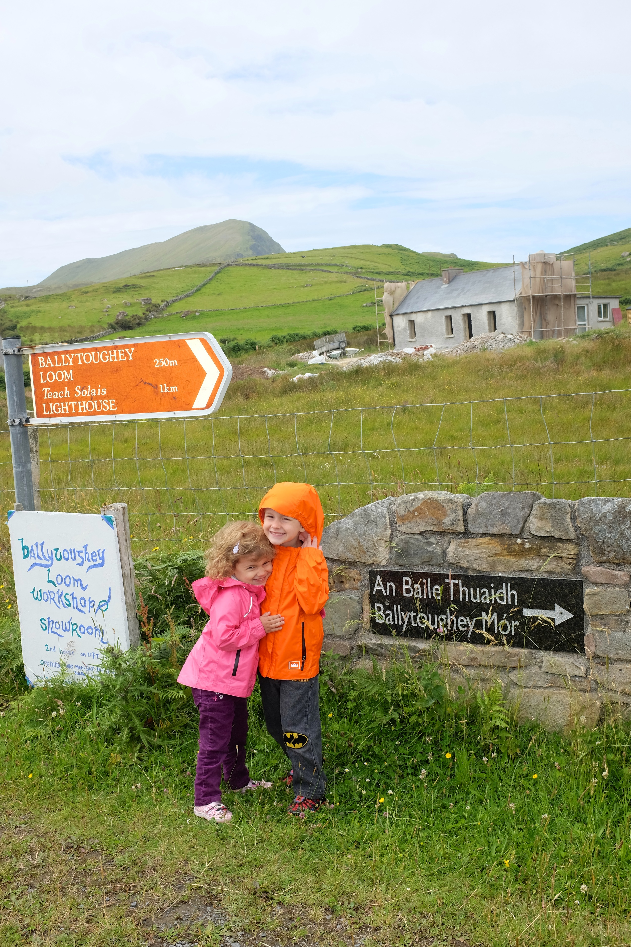 Kian and Hannah at the 1 km mark. Although I think this sign is not very accurate. The walk felt much longer than 1 km.