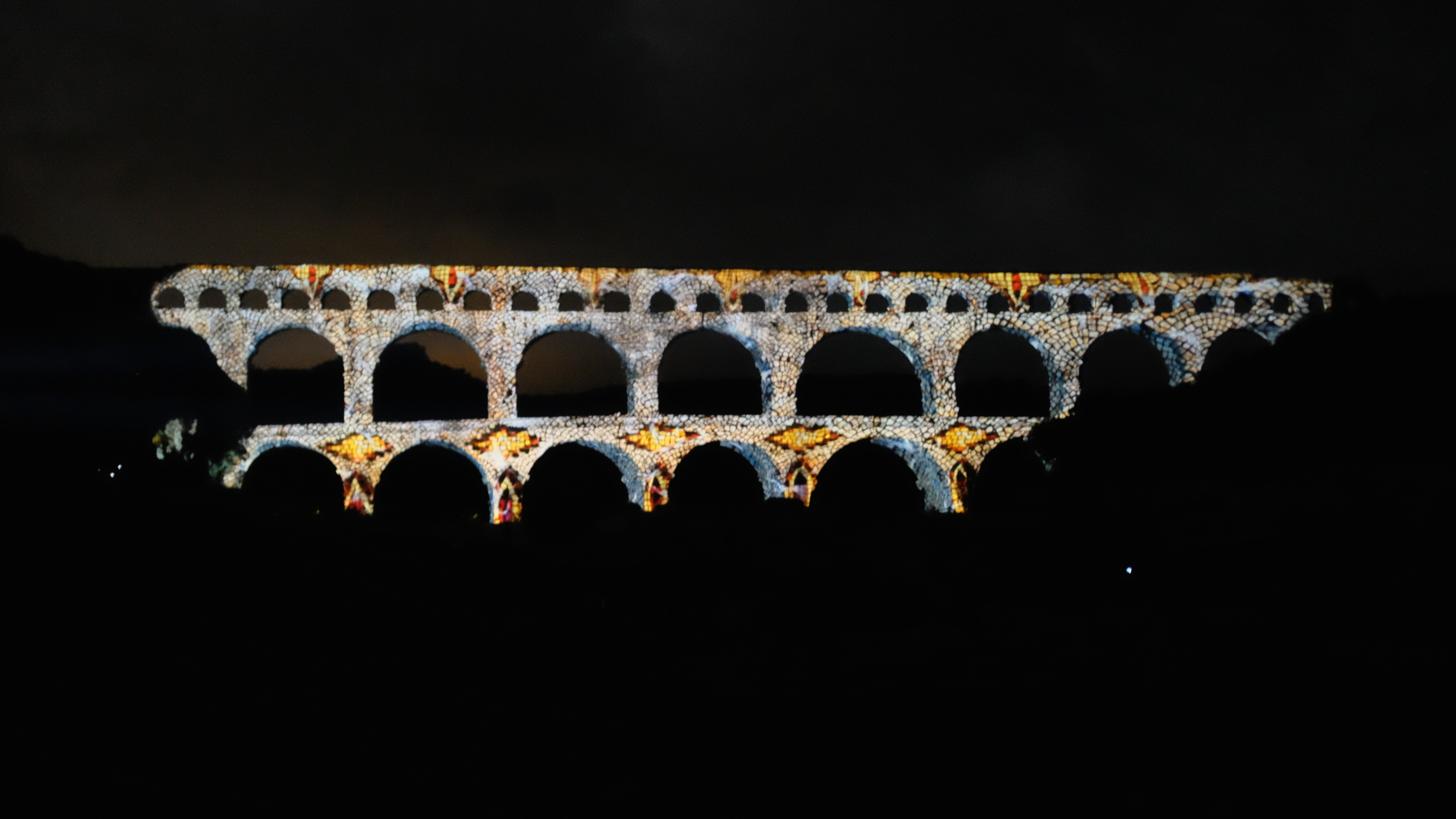 Pont Du Gard Light Show