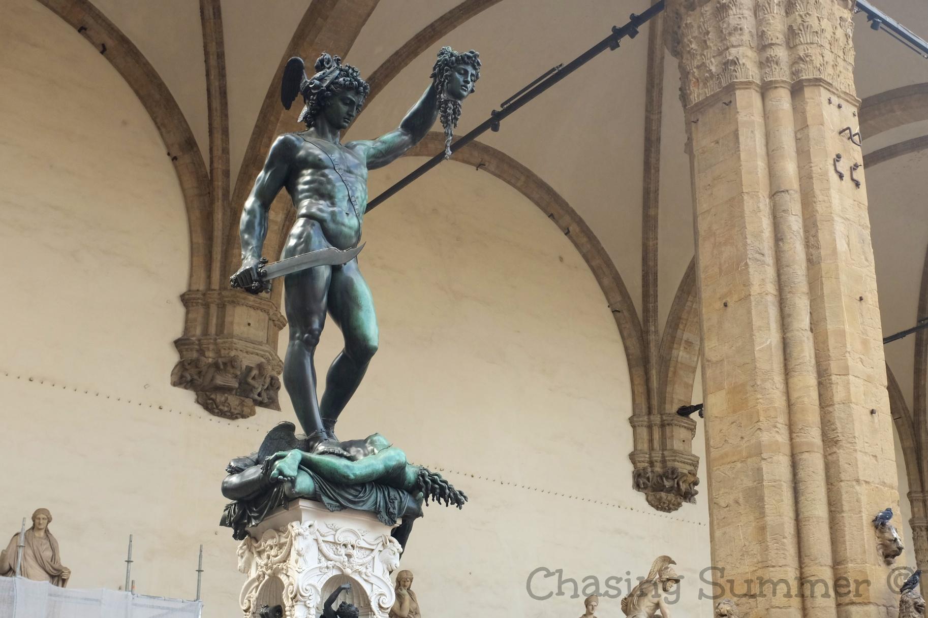 Benvenuto Cellini 's statue  Perseus With the Head of Medusa
