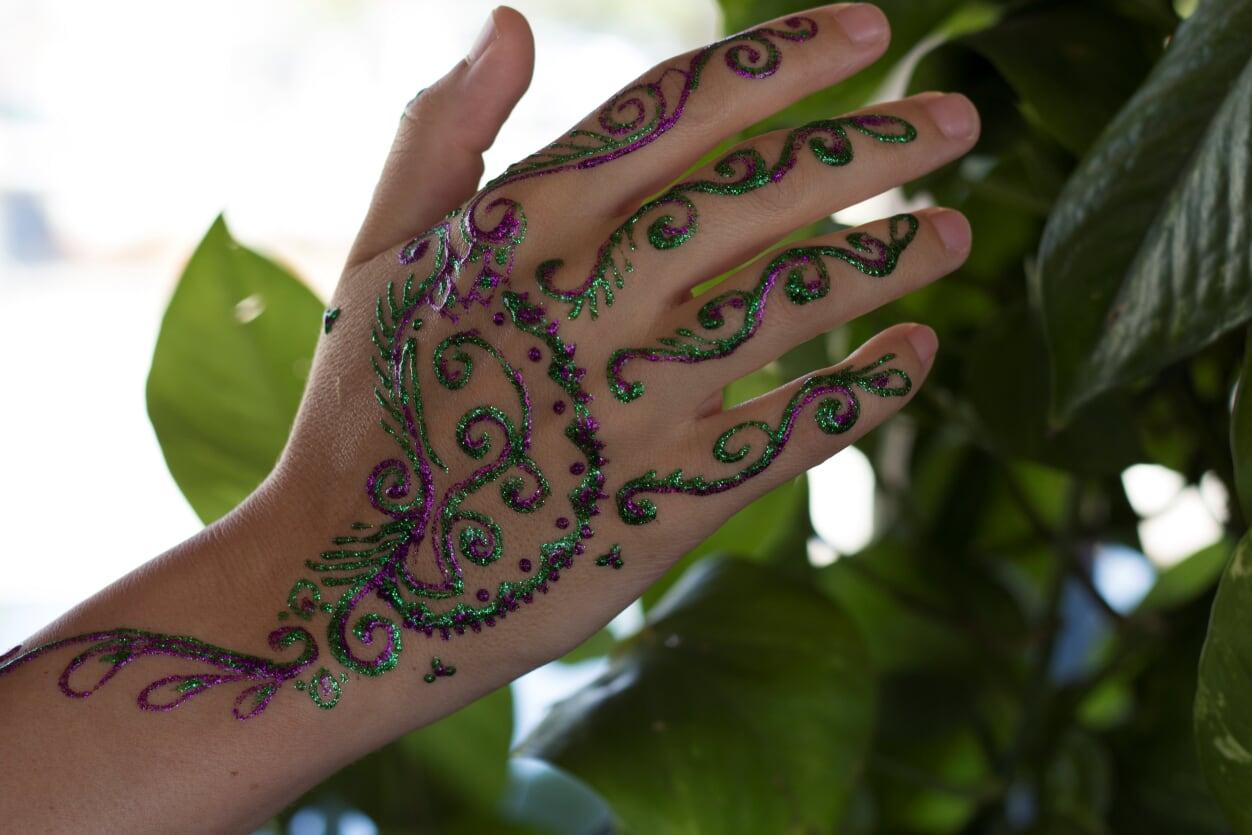 glitter henna 3.jpg