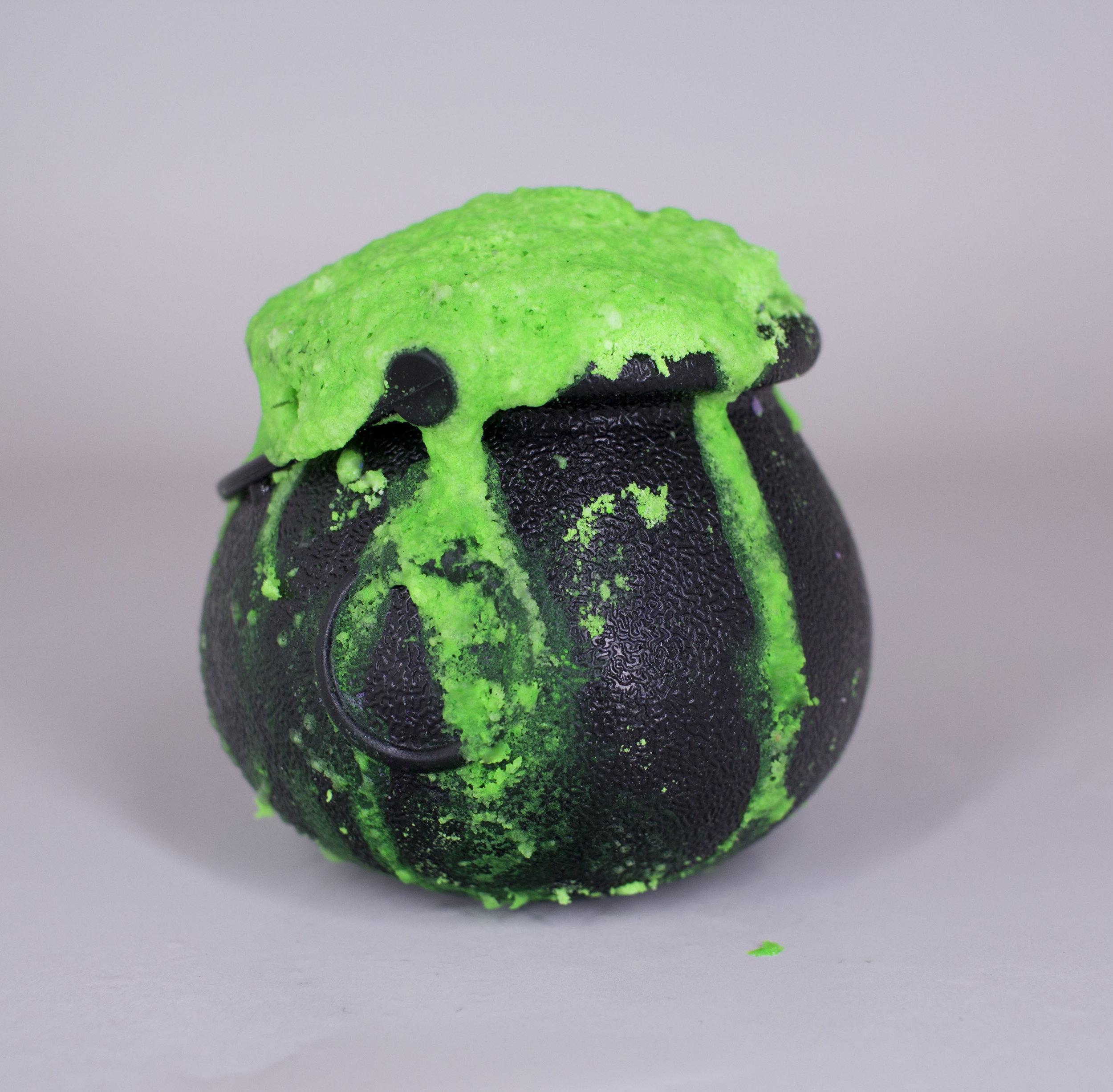 Vita Perfetta - Halloween Cauldron 5.jpg