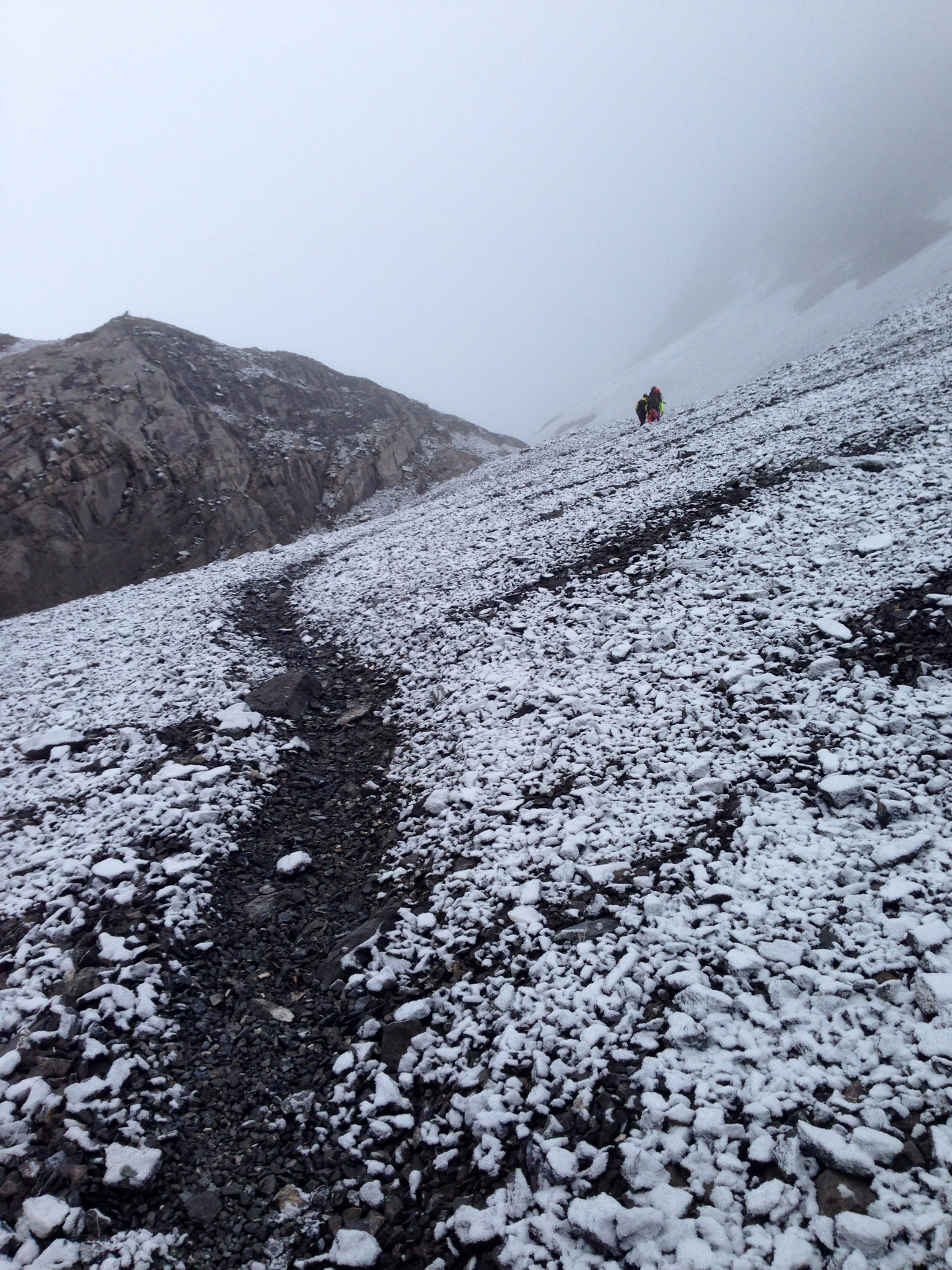 Snow dusting on the hike up.