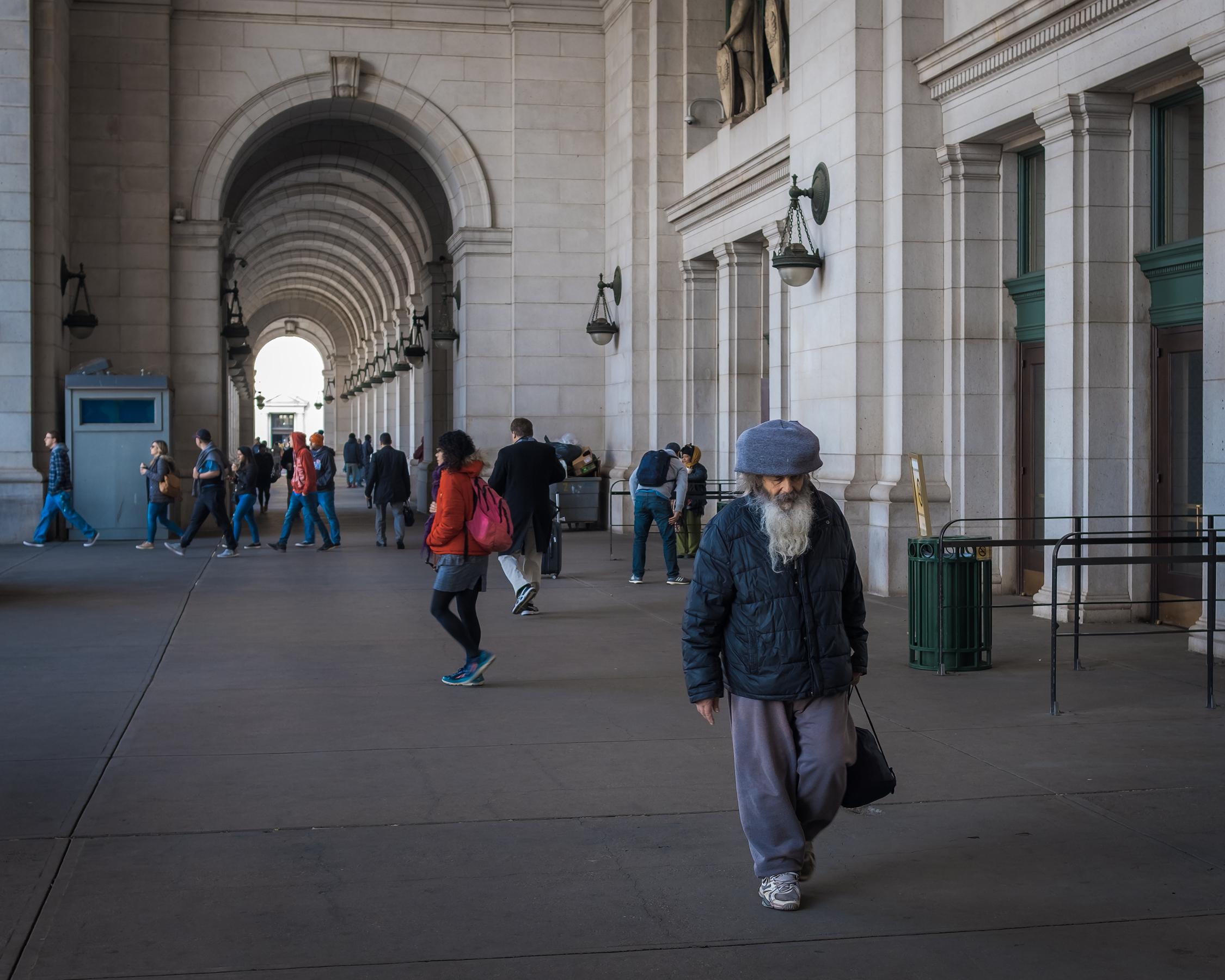 The Guru  • Union Station, Washington DC.   Fuji X-H1 and a Fujinon XF35 f1.4   ISO 400, f5.6, 1/250 of a second.