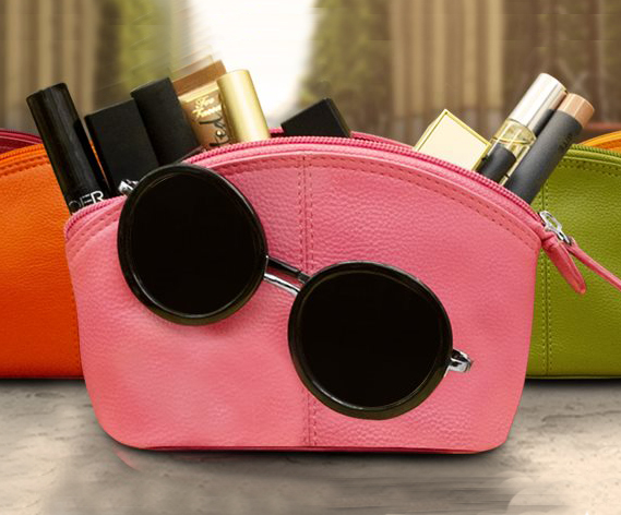 color-leather-accessories-museum-outlets.jpg