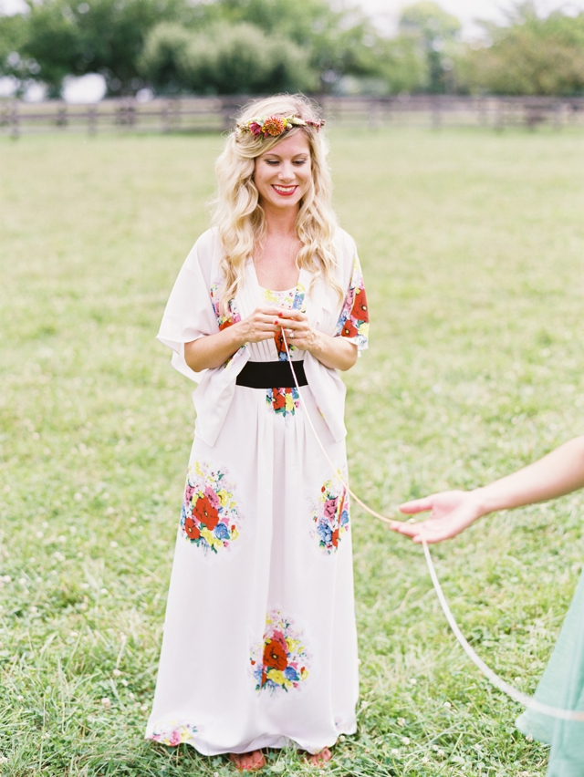wedding tradition, ring warming, string