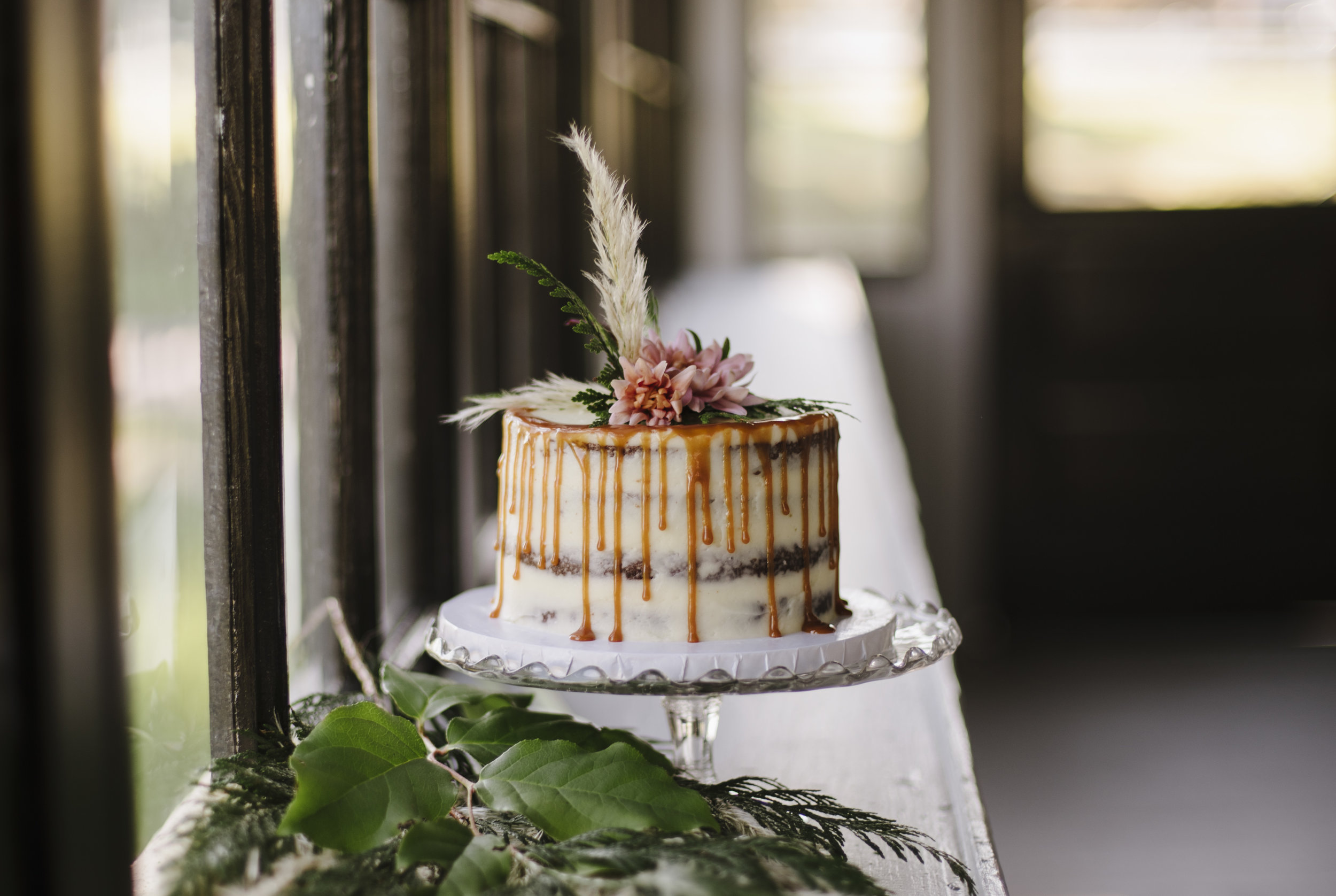 Cake: Wildflower Cakes Photo Credit: Jen Lee Light
