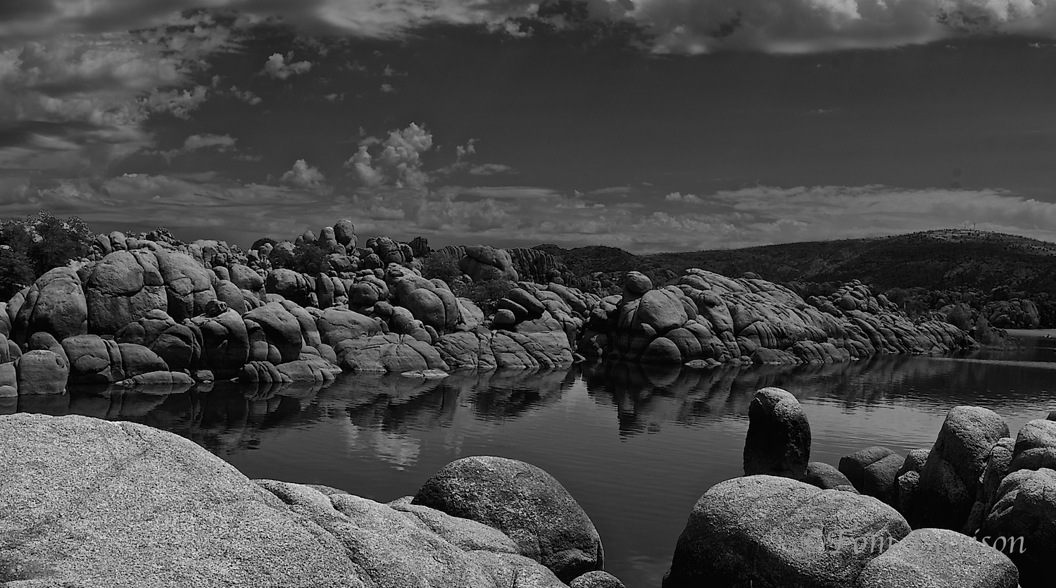 For all the color at the lake, the dynamic range and contrast suggests a B&W would work.