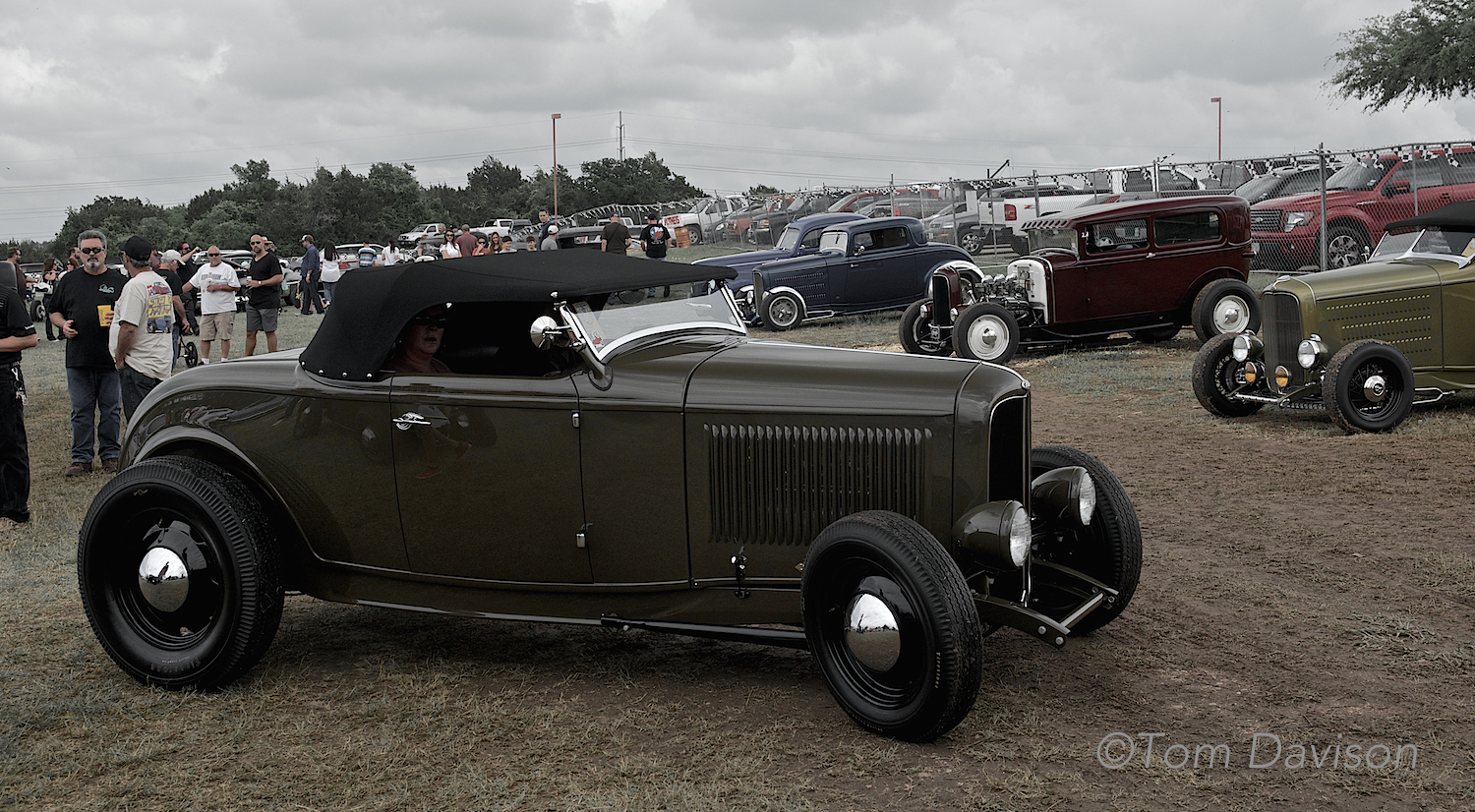Another 32 Ford Roadster, the Deuce as it is known by hot rodders. It was driven to the Lonestar Roundup from San Francisco along with 25 other cars in a caravan (must have been quite a site for folks along the road!!).