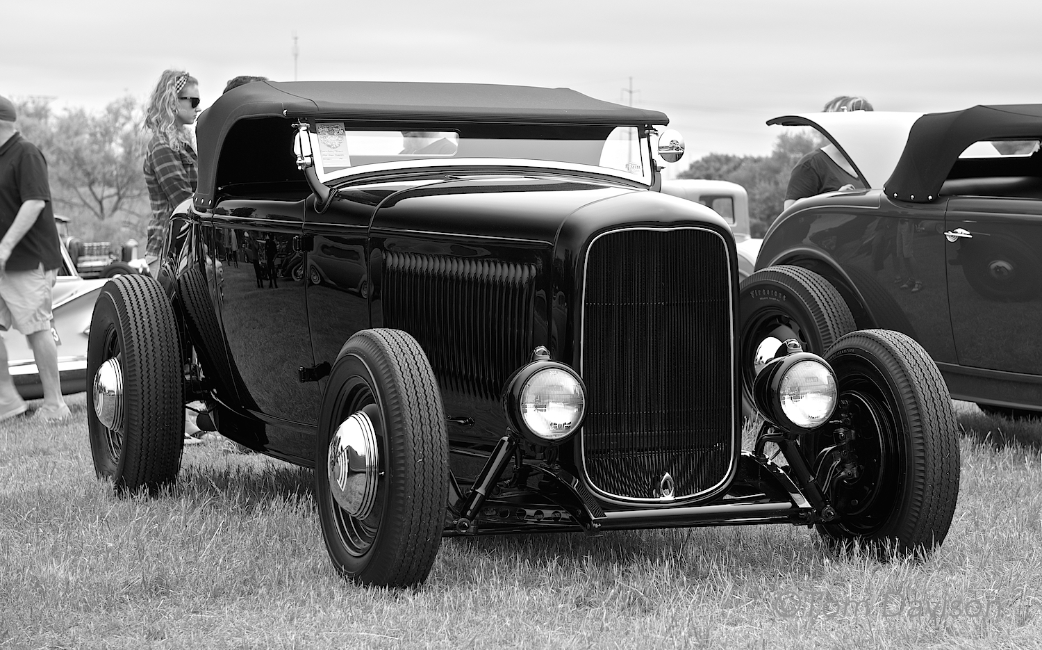 ANOTHER 1932 Ford roadster. Hot rodders really love 1932 Fords.