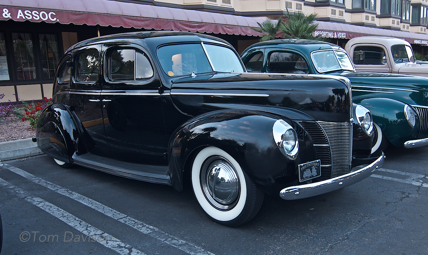 A 1940 Ford (looks like a line-up to me!).
