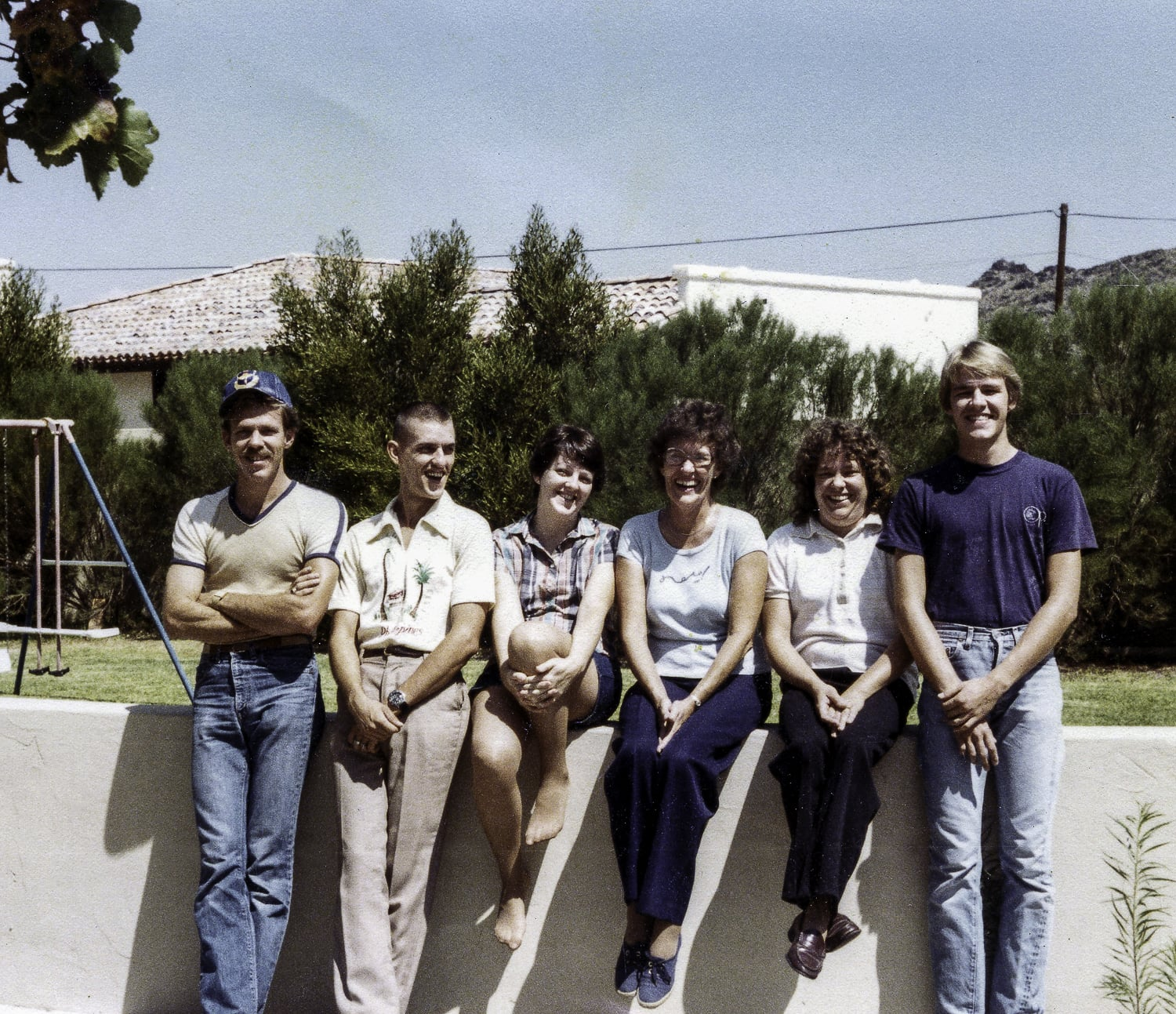 Mom with all five of her children. L to R: Steve, Joe, Carol, MOM, Susan and Larry.