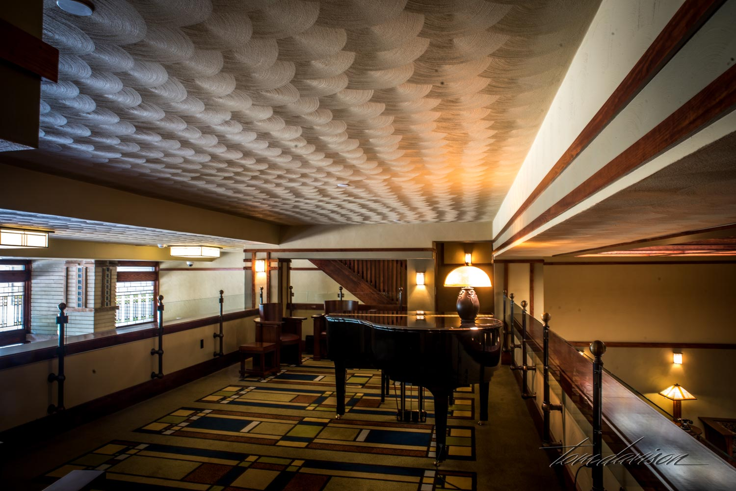 This is the mezzanine of the Park Inn Motel designed by Frank Lloyd Wright and built in 19010. As we toured the inside (tripods allowed) I was impressed with the obvious and abandant patterns that I associate with a Wright design. The geometric patterns, the open feeling, the way everything seem to fit together was impressive.