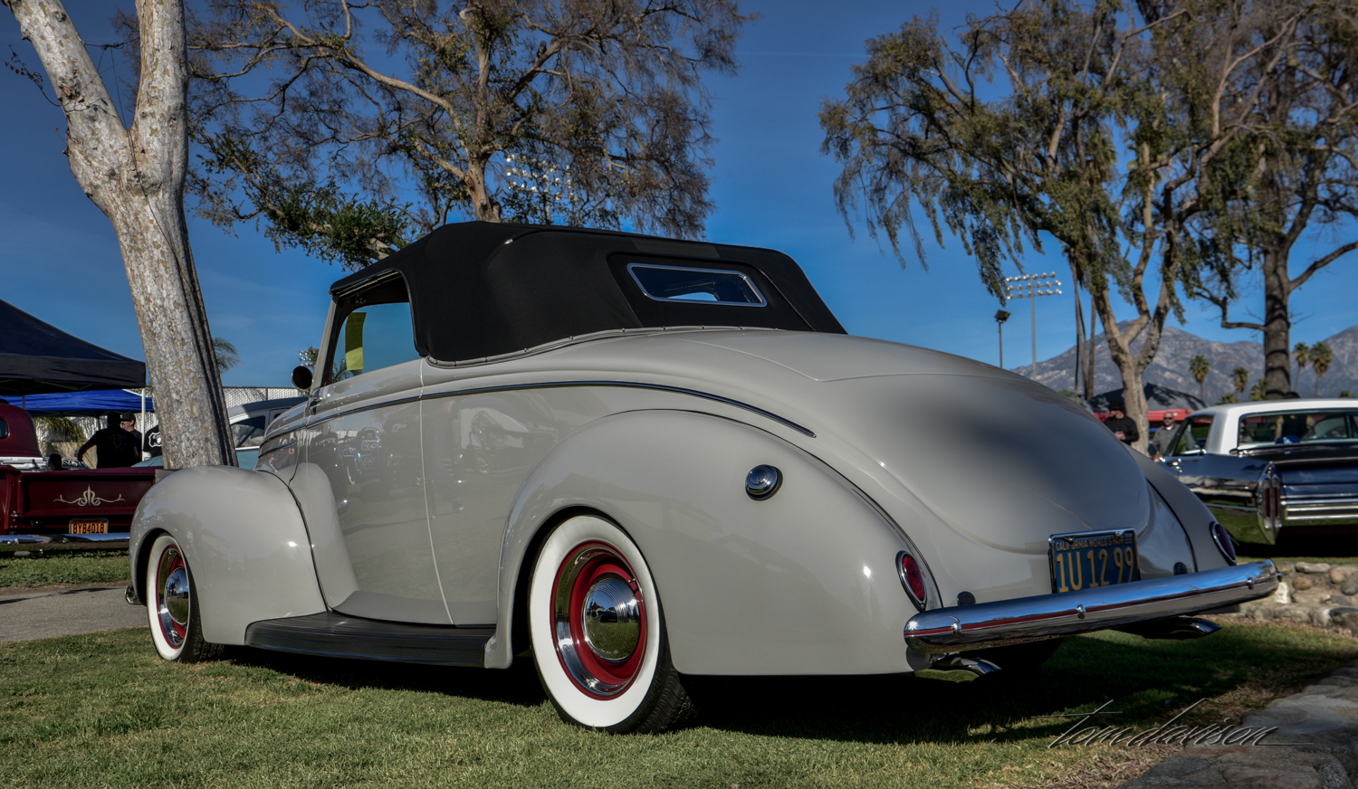 1940 Ford convertible.
