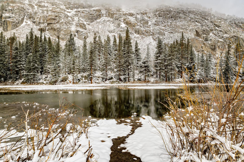 Road to Lakes Sabrina and South-14.jpg