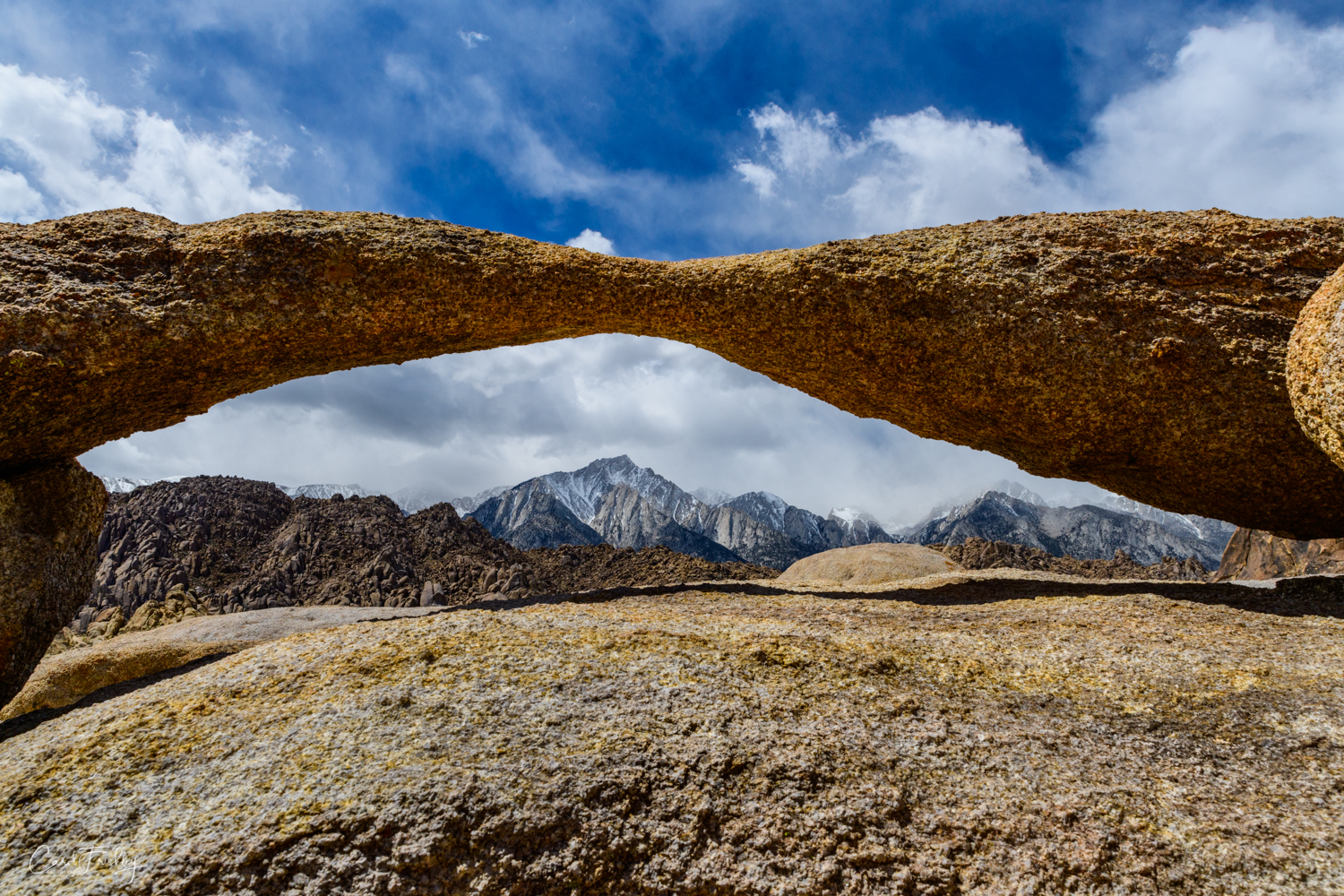 Table Arch in Alabama Hills