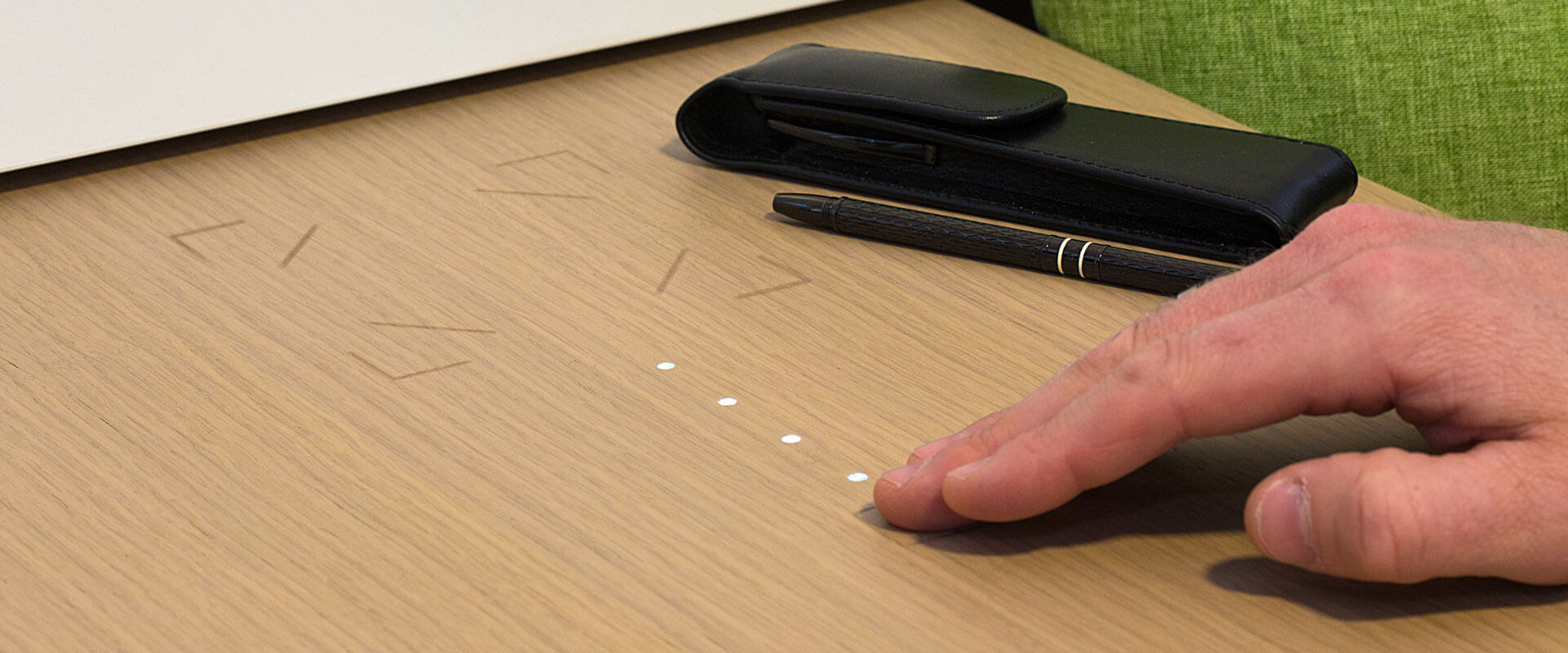 loxone-touch-surface-photo1@2k.jpg