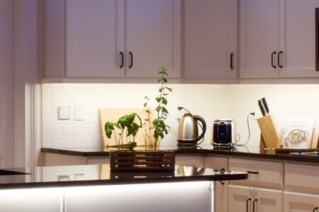 PH-ENUK-LED-Strip-Rocky-Kitchen.jpg