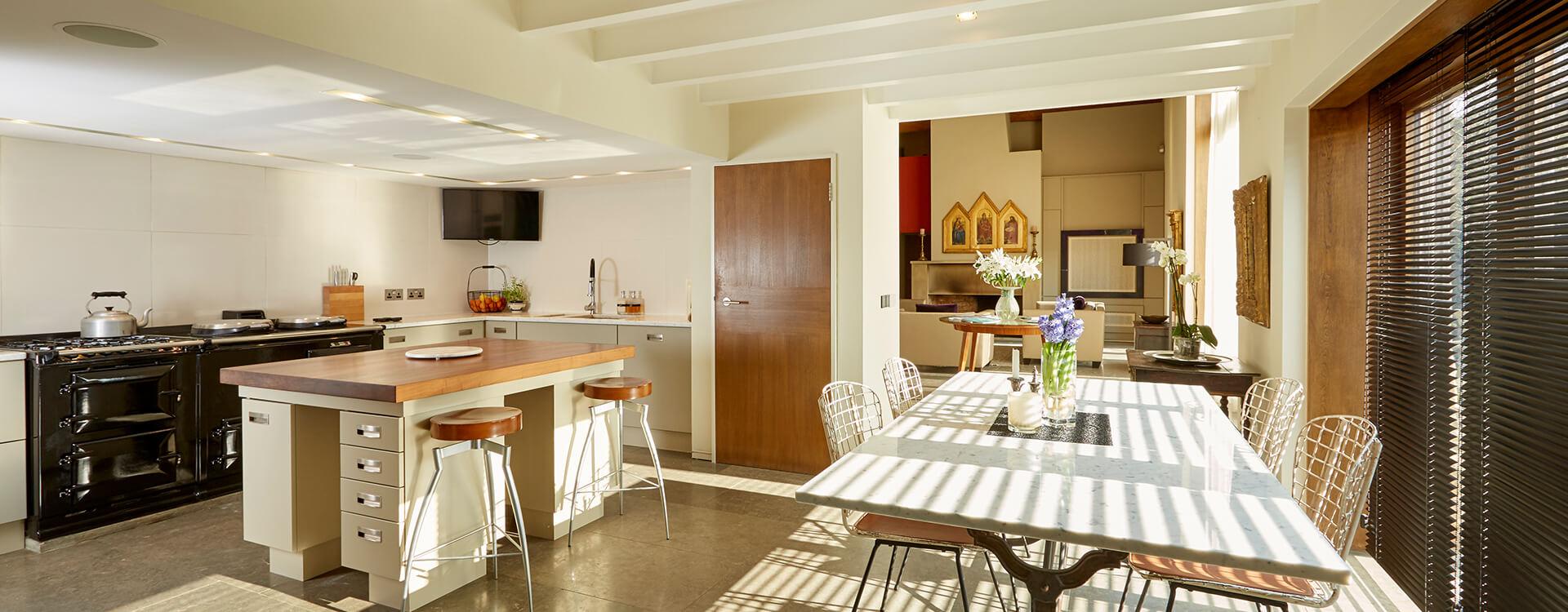 EN_FS_CS_Photo_Whistlers-Barn_Kitchen.jpg