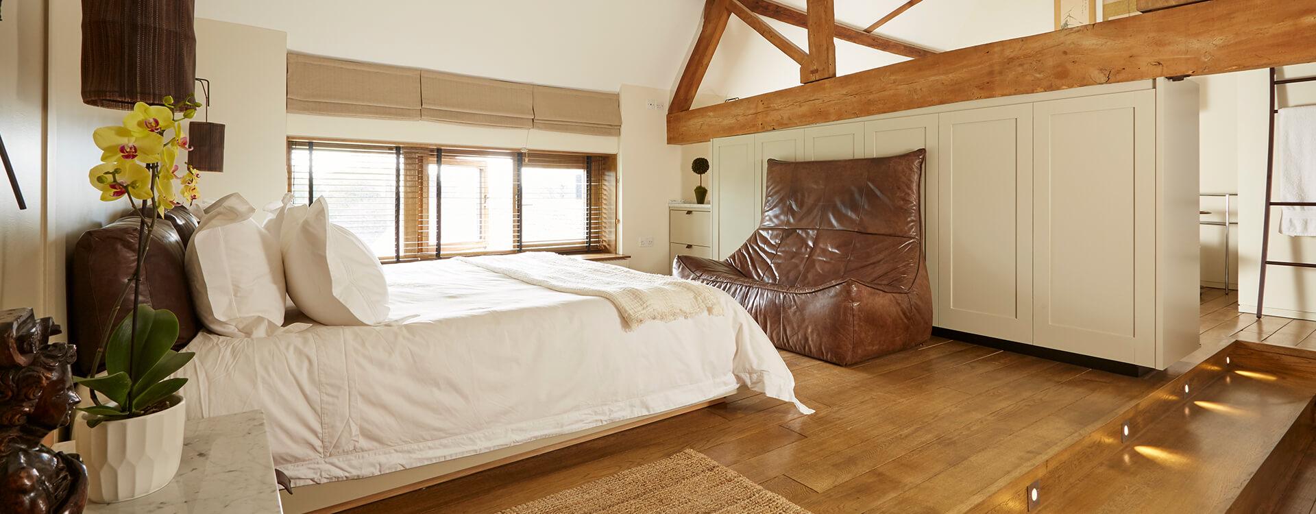 EN_FS_CS_Photo_Whistlers-Barn_Bedroom.jpg