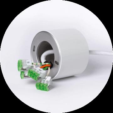 Tree változat - A Loxone TREE technológia előnye, hogy nagy mértékben csökkenti a szükséges kábel mennyiségét és a szerelési időt. A Pendulum Slim TREE-ben található egy beépített dimmer, így a lámpát egyenesen a TREE Extension modulhoz vezetékelhető. A TREE kábelen fut a vezérlés és a 24V tápellátás is.