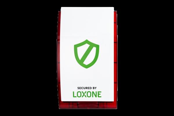 Riasztás - Ha nem tartózkodsz otthon vagy éjszaka alszol, a Loxone okos otthonod automatikusan bekapcsolja a riasztót, a füstjelzőt és a különböző érzékelőket, így lesz otthonod rendjének és a biztonságának őre. Tovább