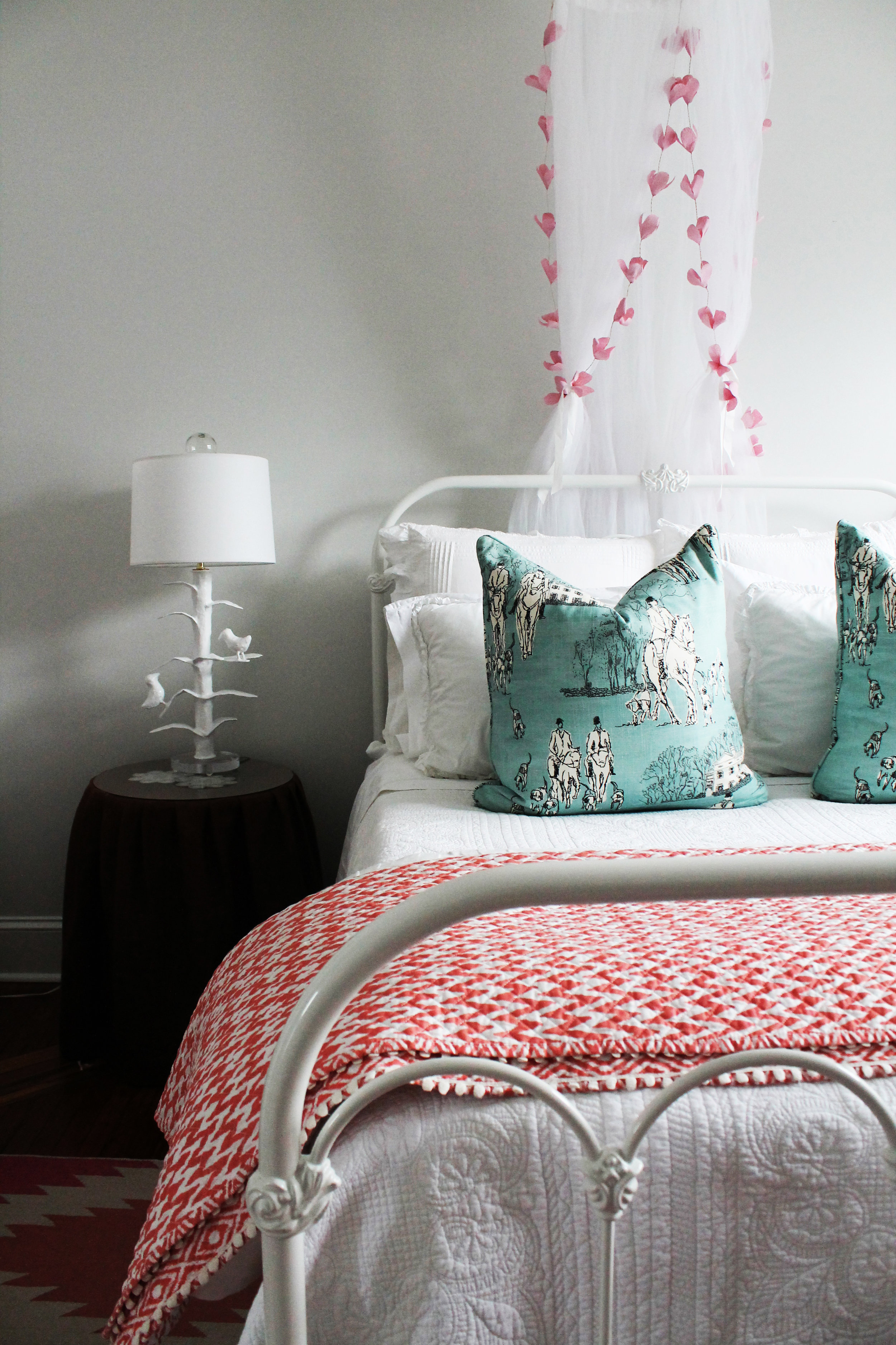 07. Pink bedding.jpg