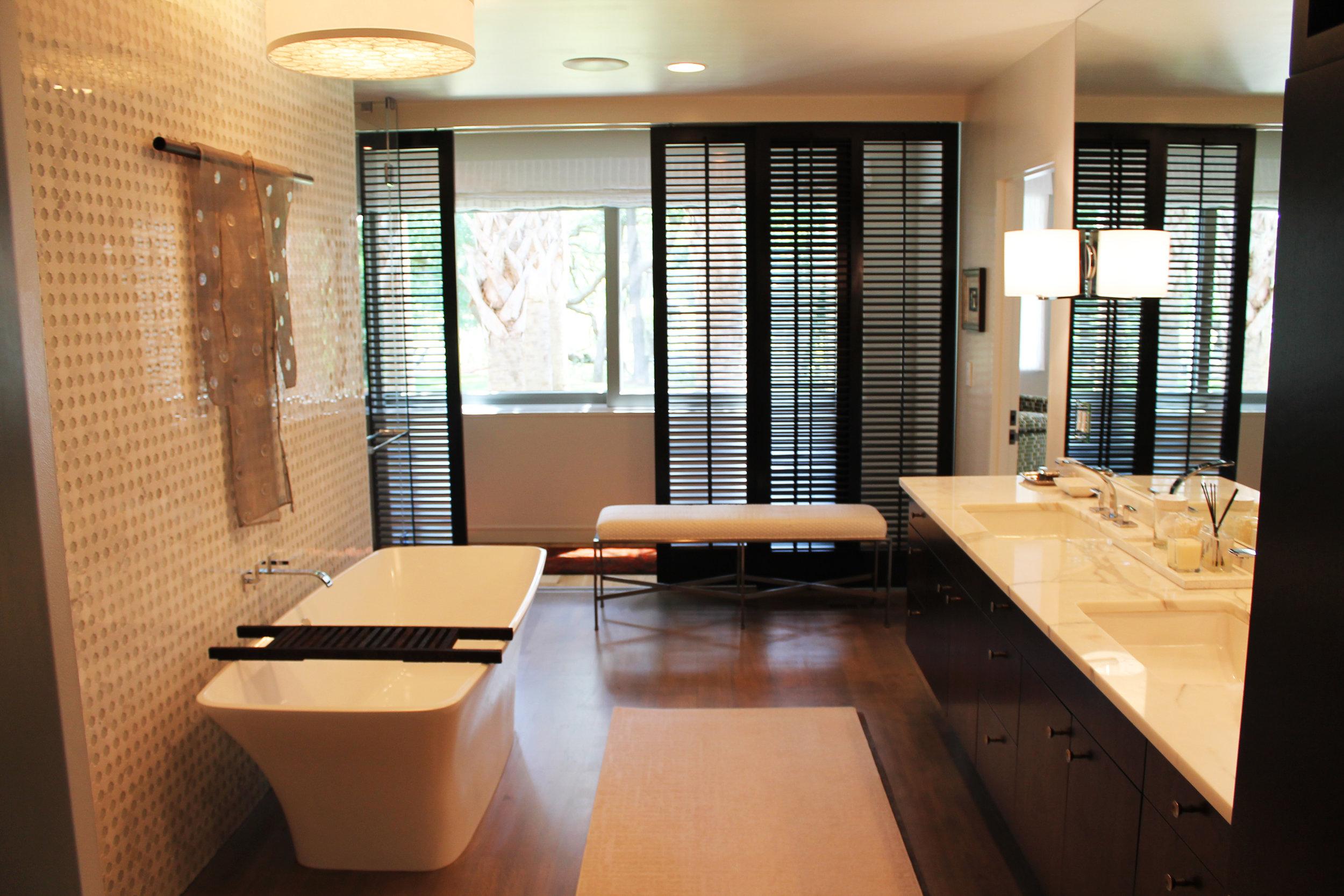 09. Master Bath 1.JPG