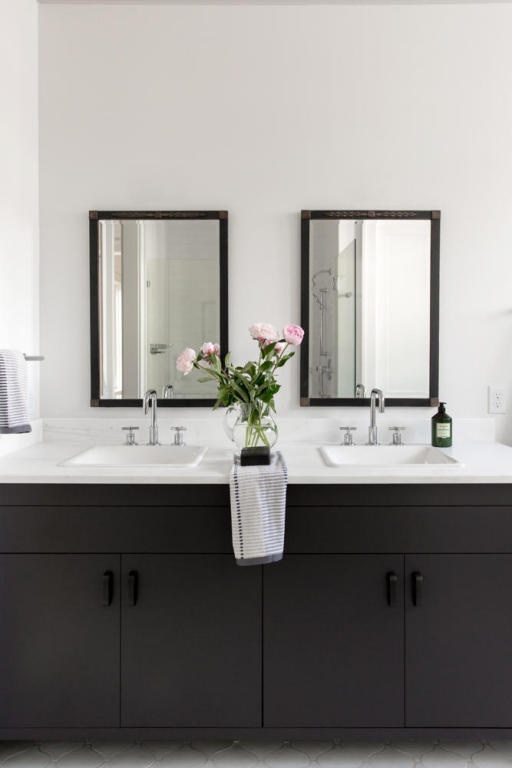 13. Black and white bathroom.jpg