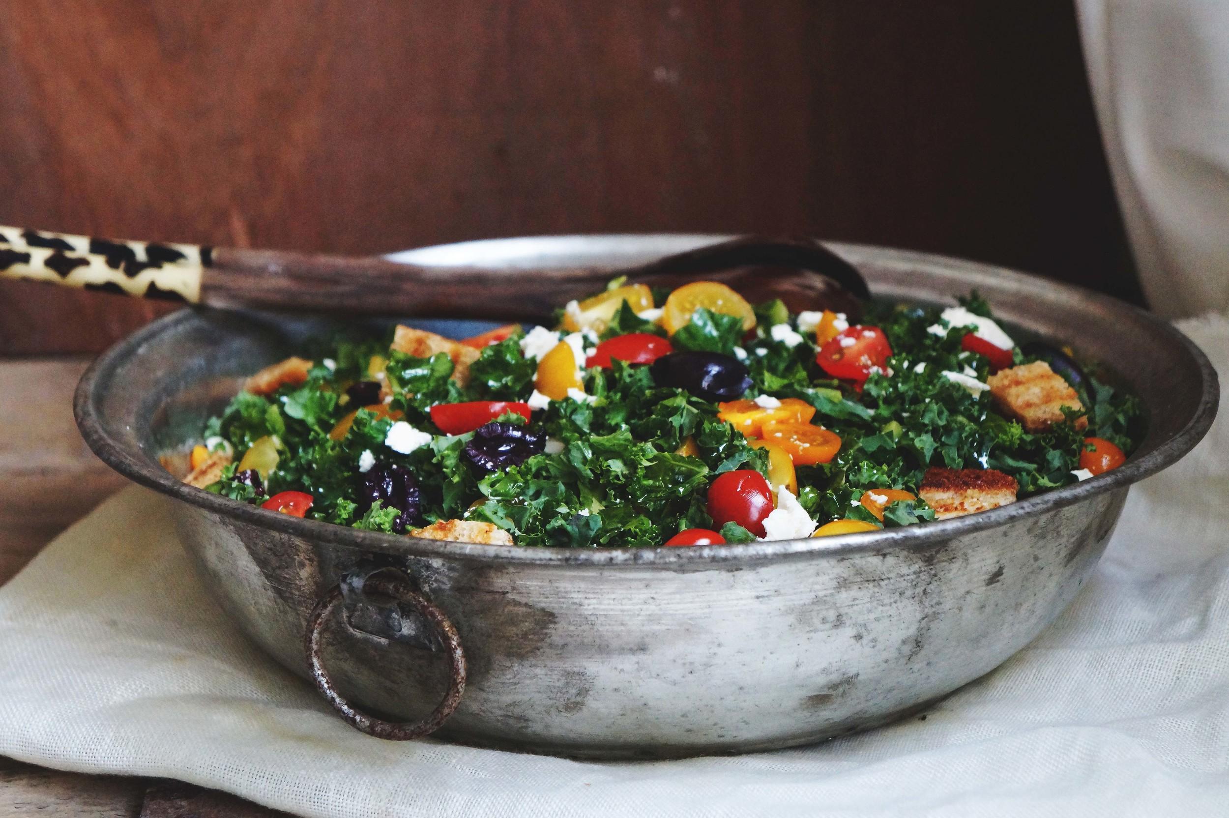 Cuisine de Clementine - boerenkool salade met feta-knoflook dressing