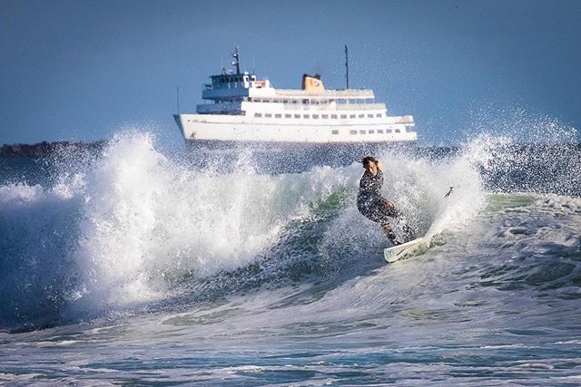 Haven't gotten out to shoot in a while, so here's one from the archives. Dreaming of big waves and #blockisland  #blockislandferry #canon5dmarkiv #canon #surf #surfing #surfer #easternsurfmag #eastcoastsurf #eastcoaststyle #oceanbeach #igersrhodeisland #ig_rhodeisland #agameoftones #instasurf #fstoppers @officialfstoppers @easternsurfmag @surfers.vibes @bindebros @surfer_magazine @surf2summitmedia