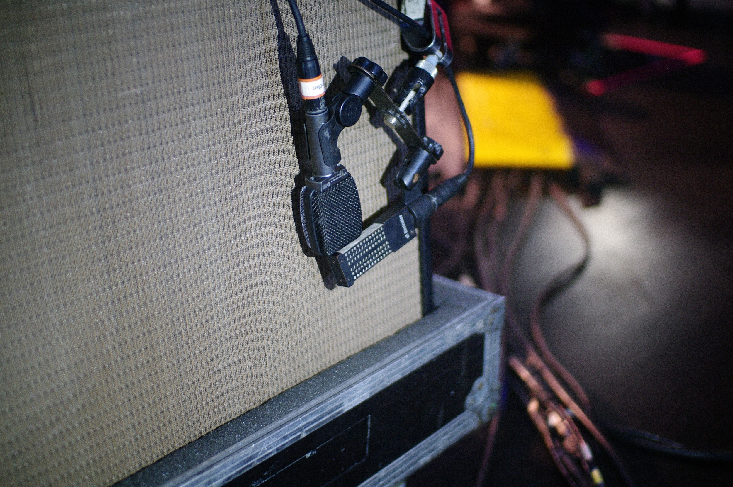 VR1-amp-mmj.jpg