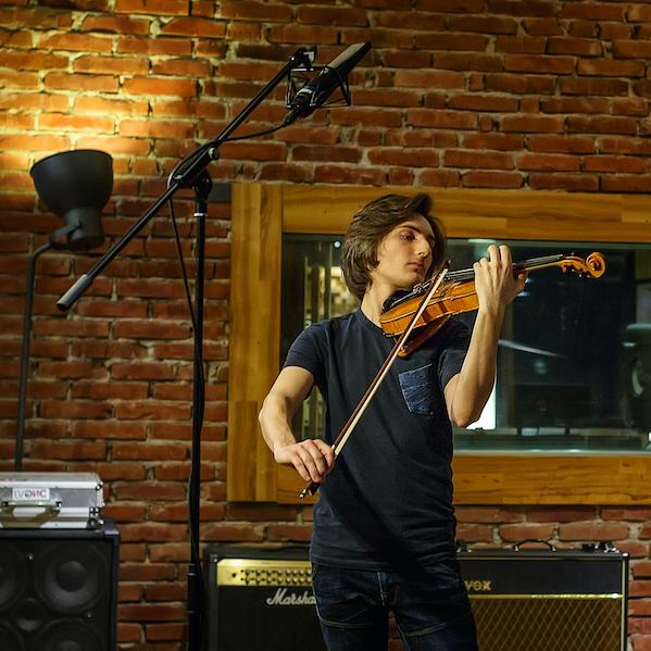 <p><a href=/artists/filip-jancik>Filip Jancik</a>Violinist, Composer</p>