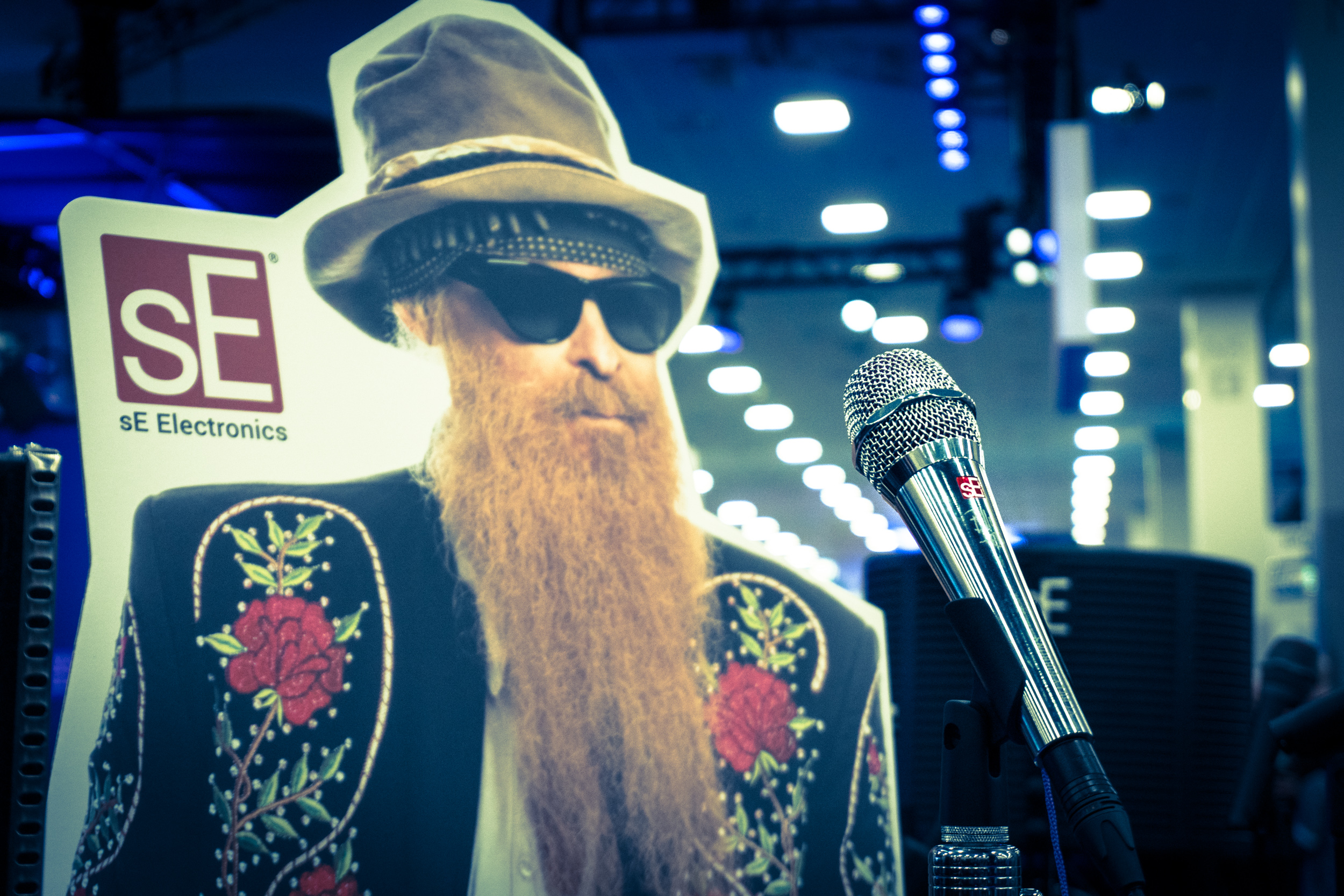 Mr. Billy Gibbons himself was on the booth...sort of. Here he is with his  Signature V7 BFG dynamic microphone .