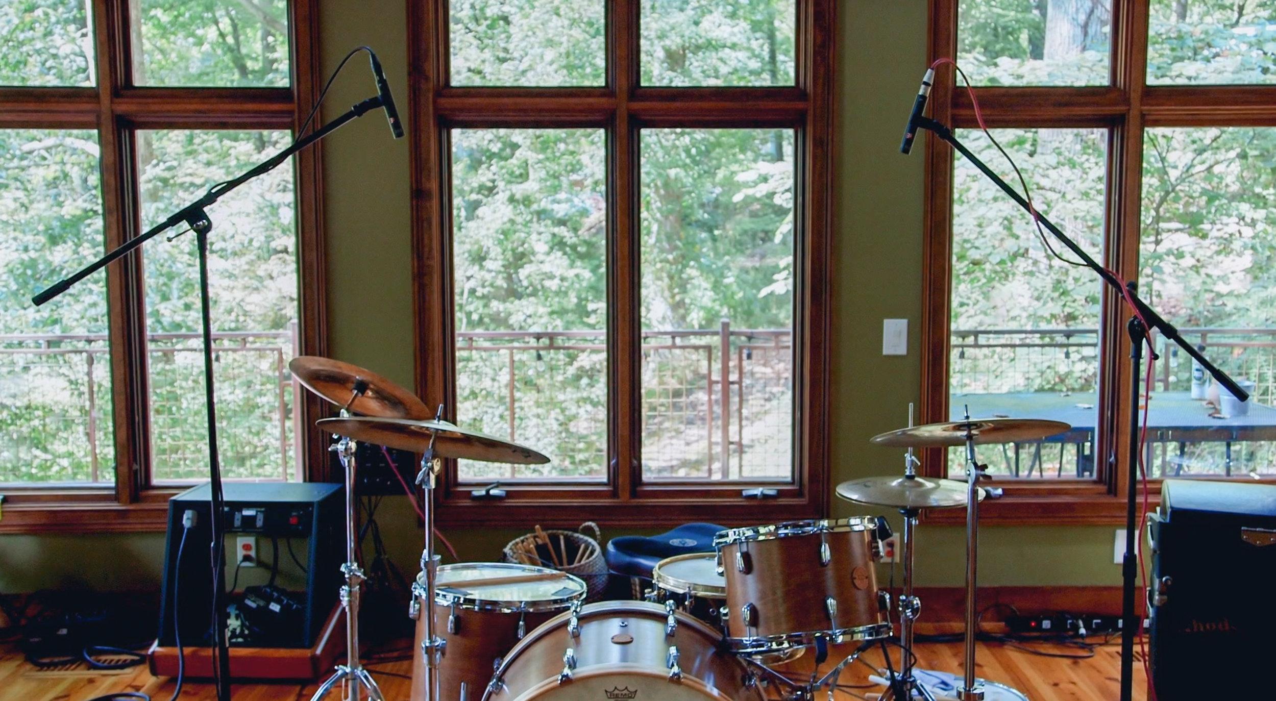 sE7-pair-drums-wide.jpg
