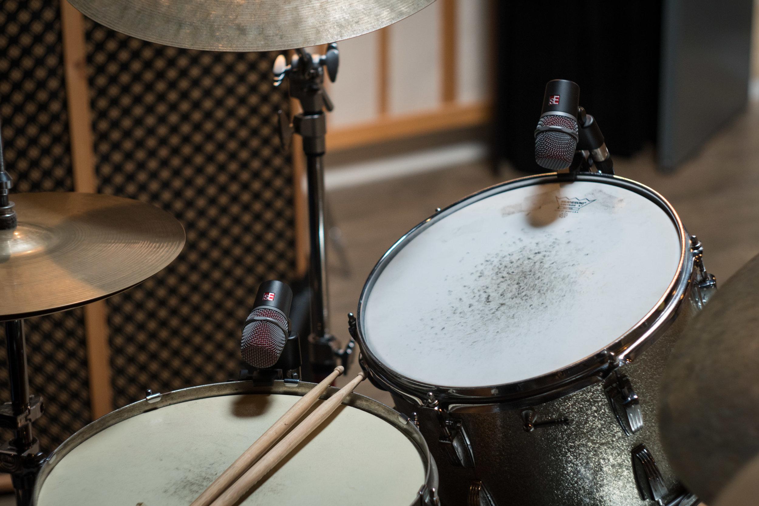 V-series-drums-med-15.jpg