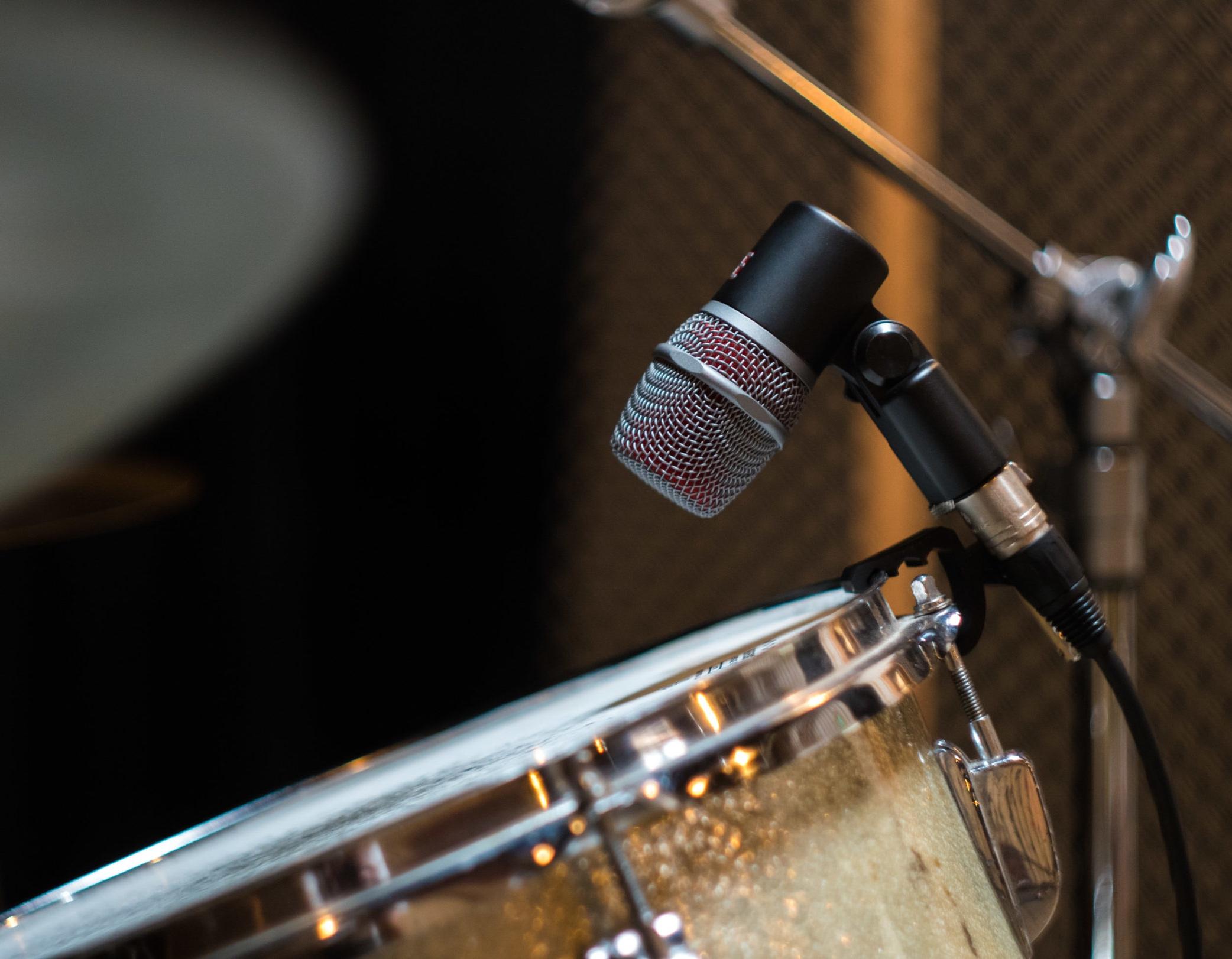 V-series-drums-med-10.jpg
