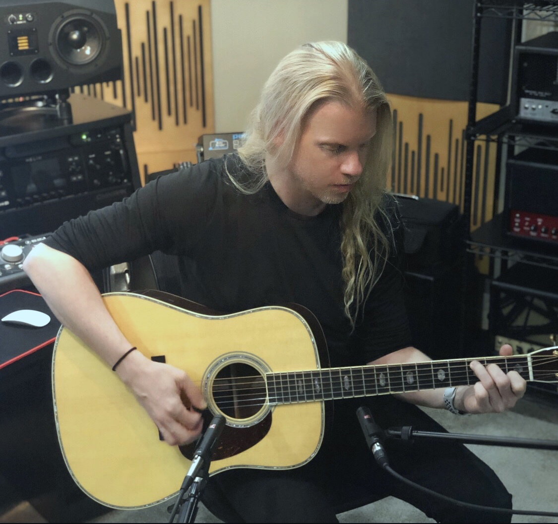 jeff-loomis-acoustic-guitar-sE8-mics.jpg