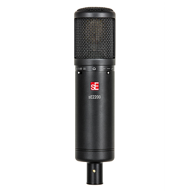 sE2200 on vocals