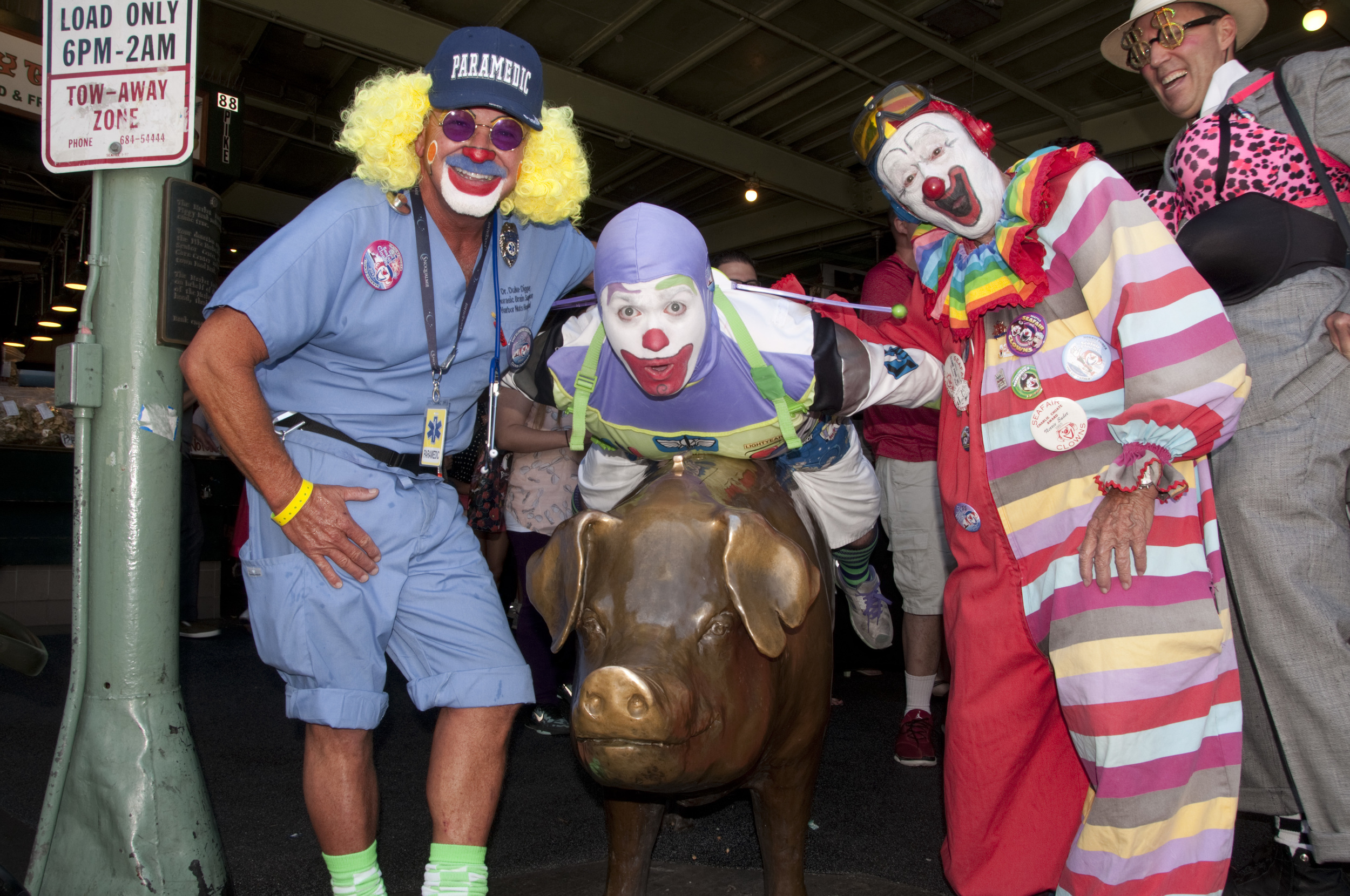 Seafair Clown arrival_7-19-13_5366.jpg