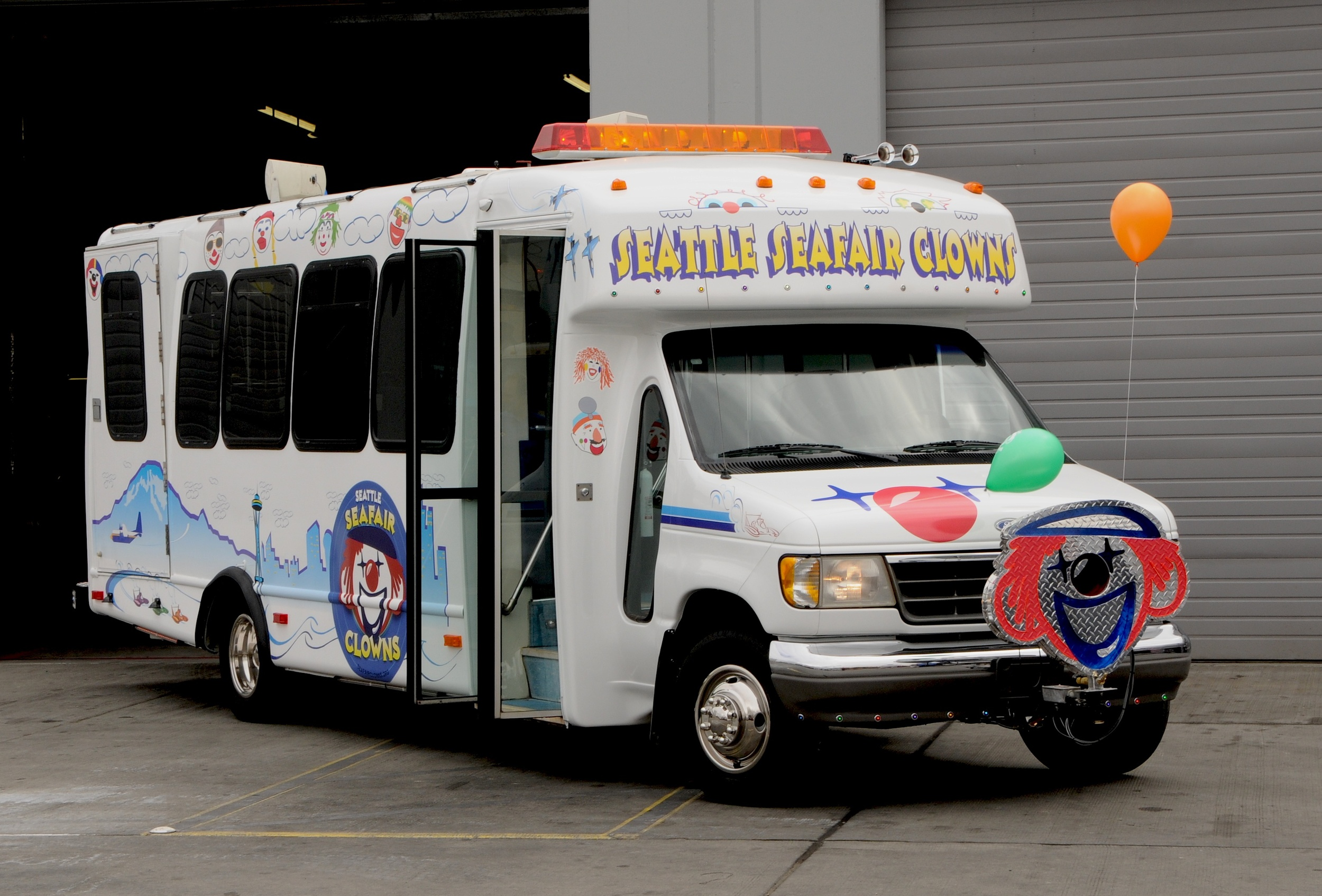 2009 Seafair Clown Vehicle.jpg