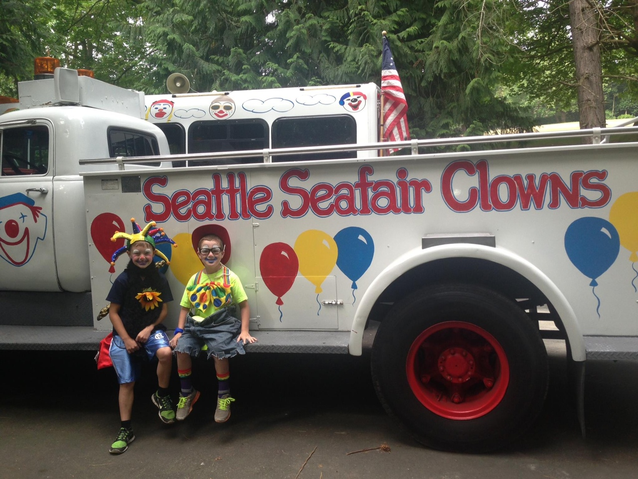 Wallingford Family Parade with the Seafair Clowns