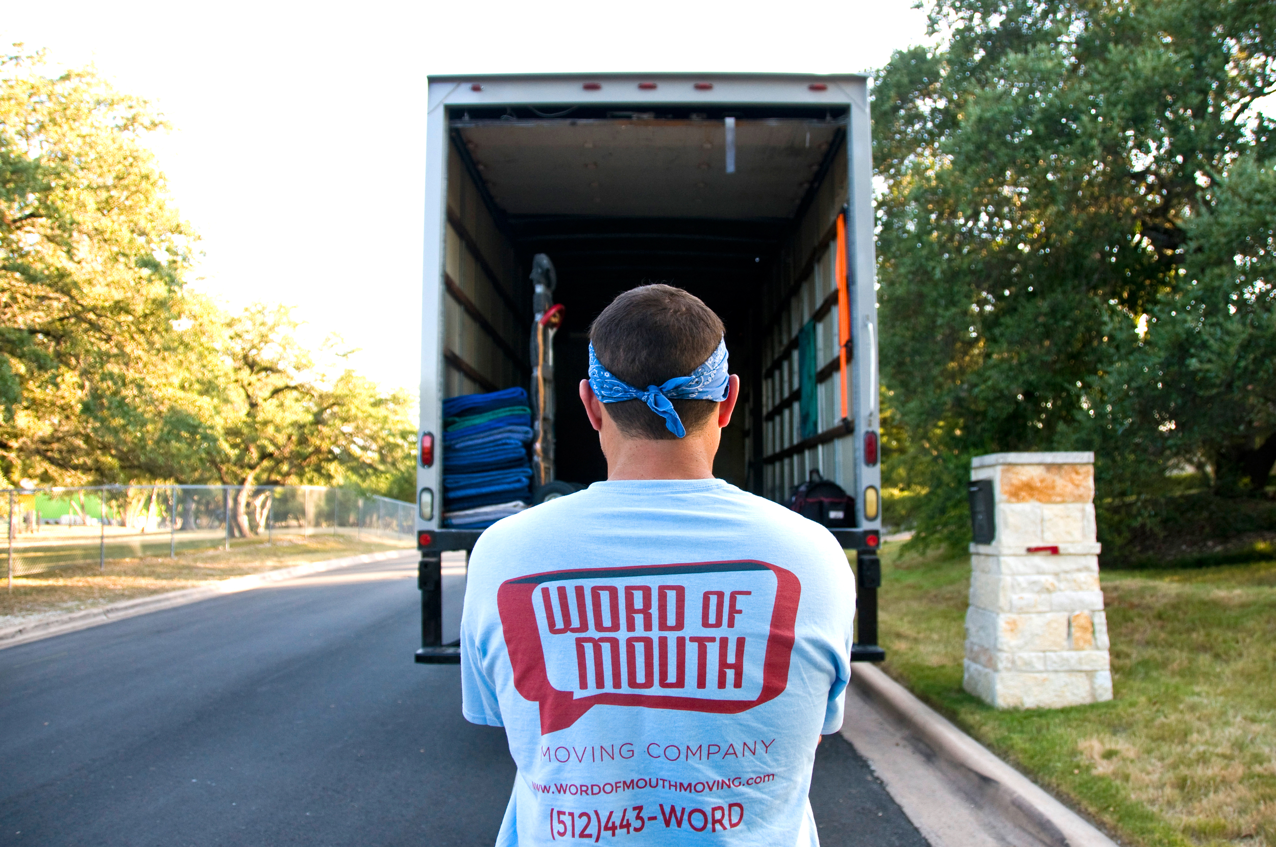 Quality & Reliable Service   Uniformed, Clean-Cut Movers Top Notch Customer Service
