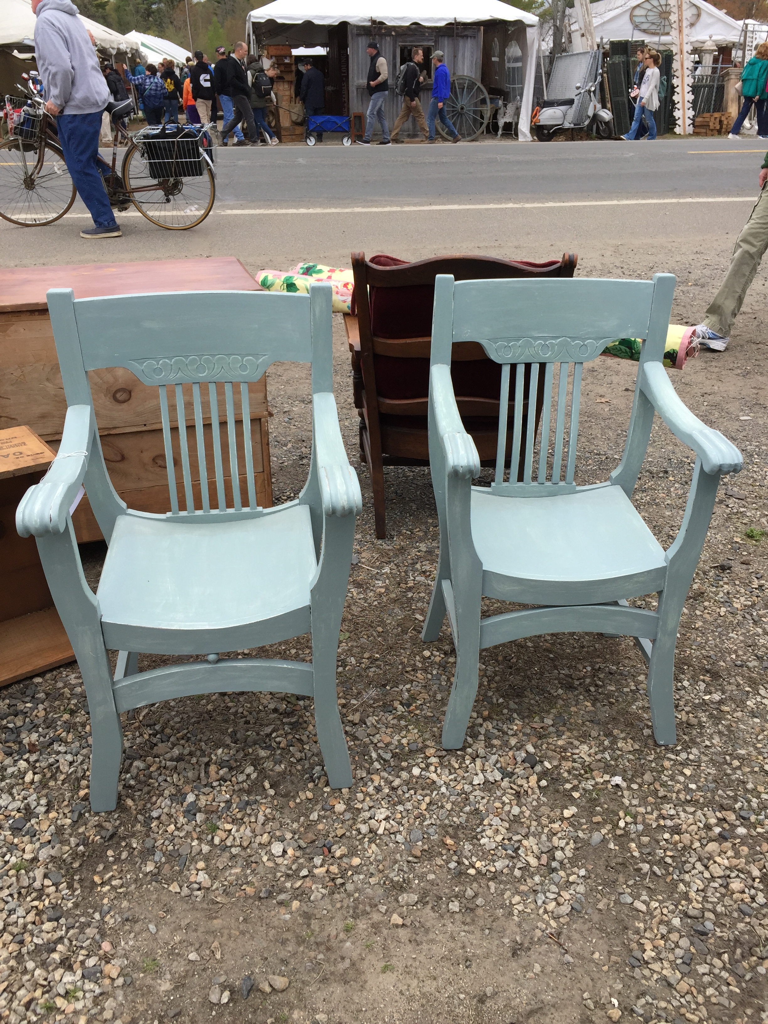 This pair of rustic carule inspired chairs were cute. Love the color.
