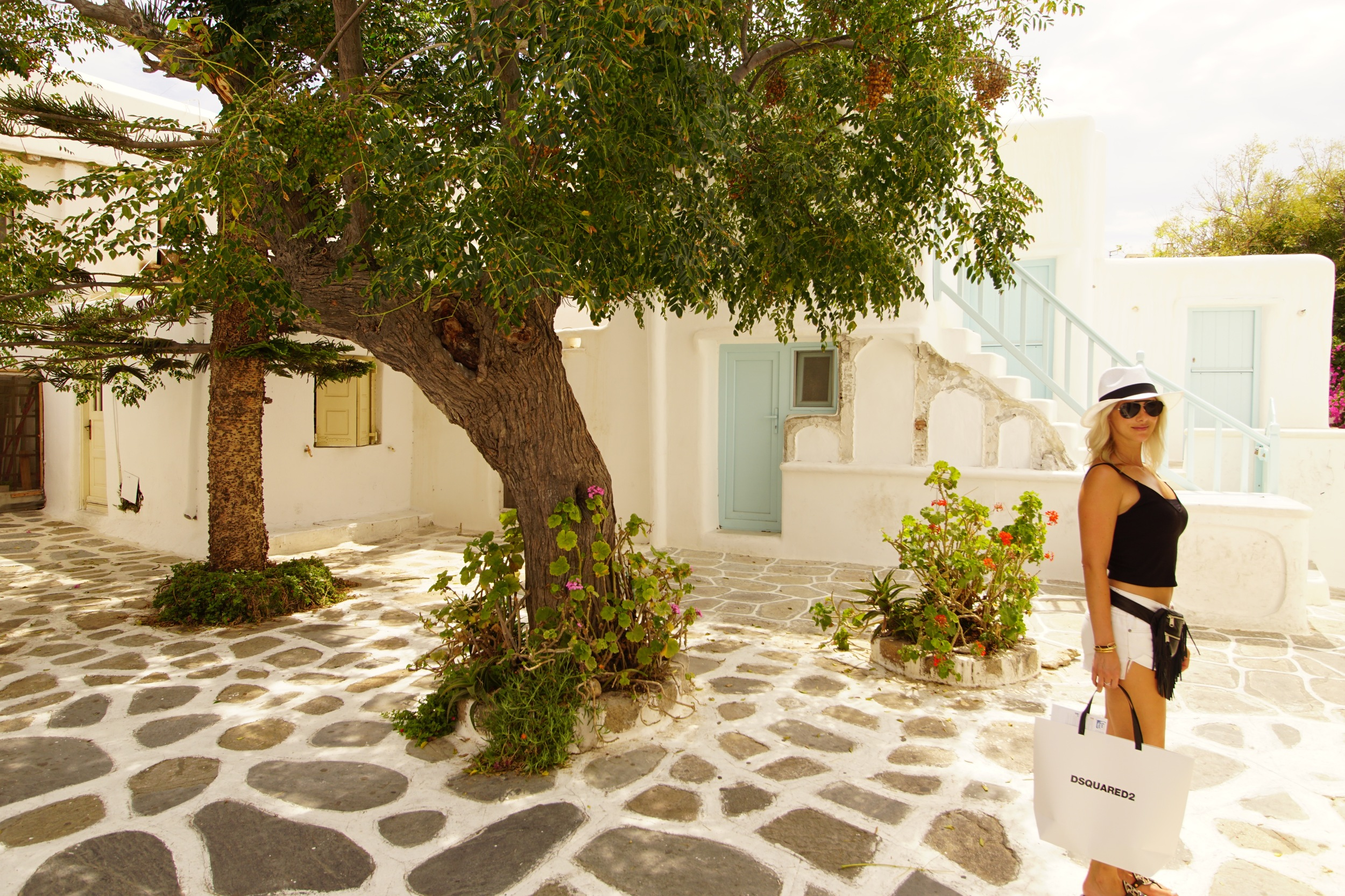 Walking (and shopping) in Mykonos Town