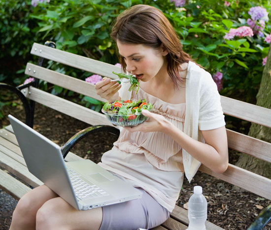 avoid-eating-in-front-of-computer