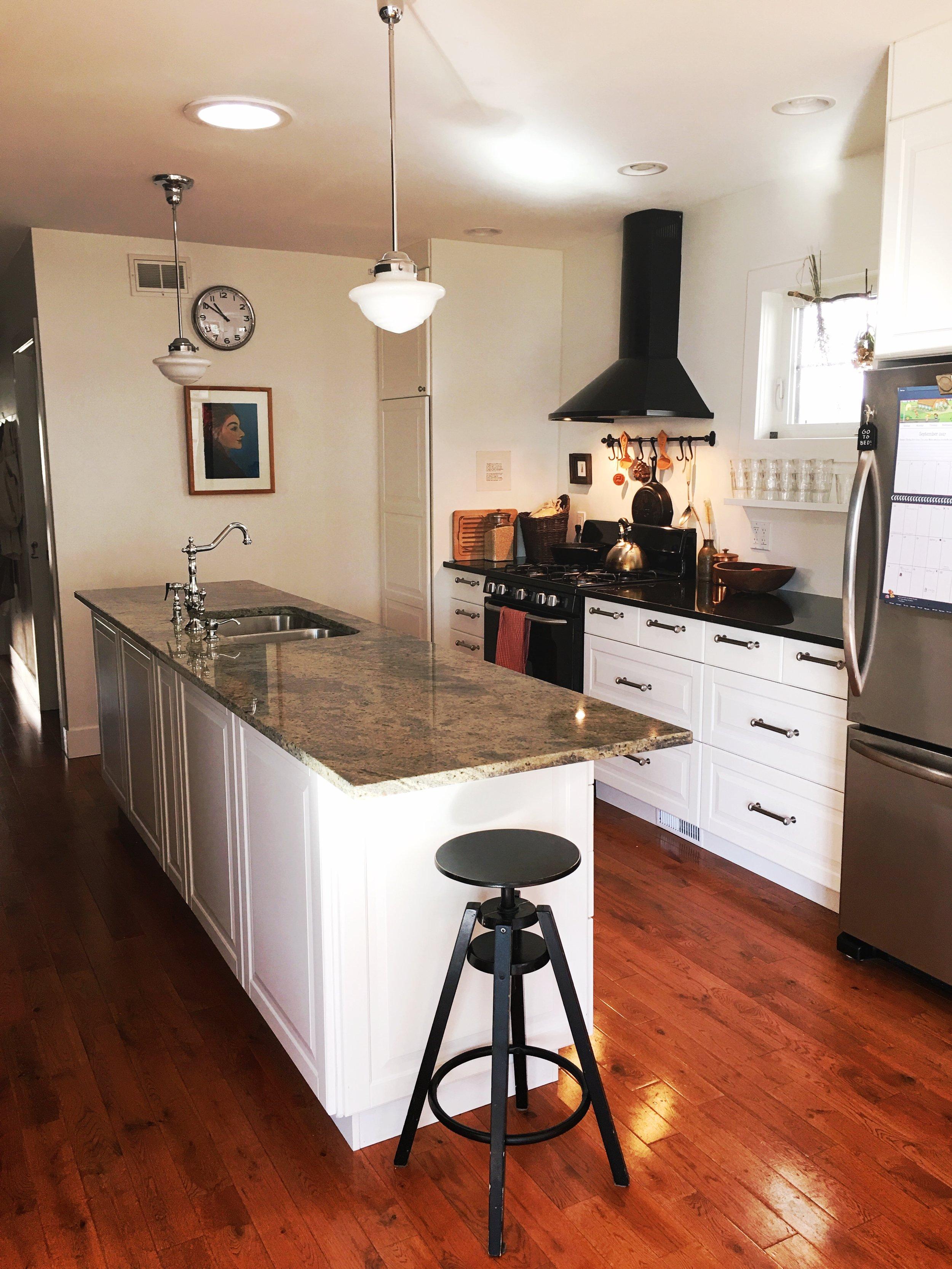 galley_island_kitchen.JPG