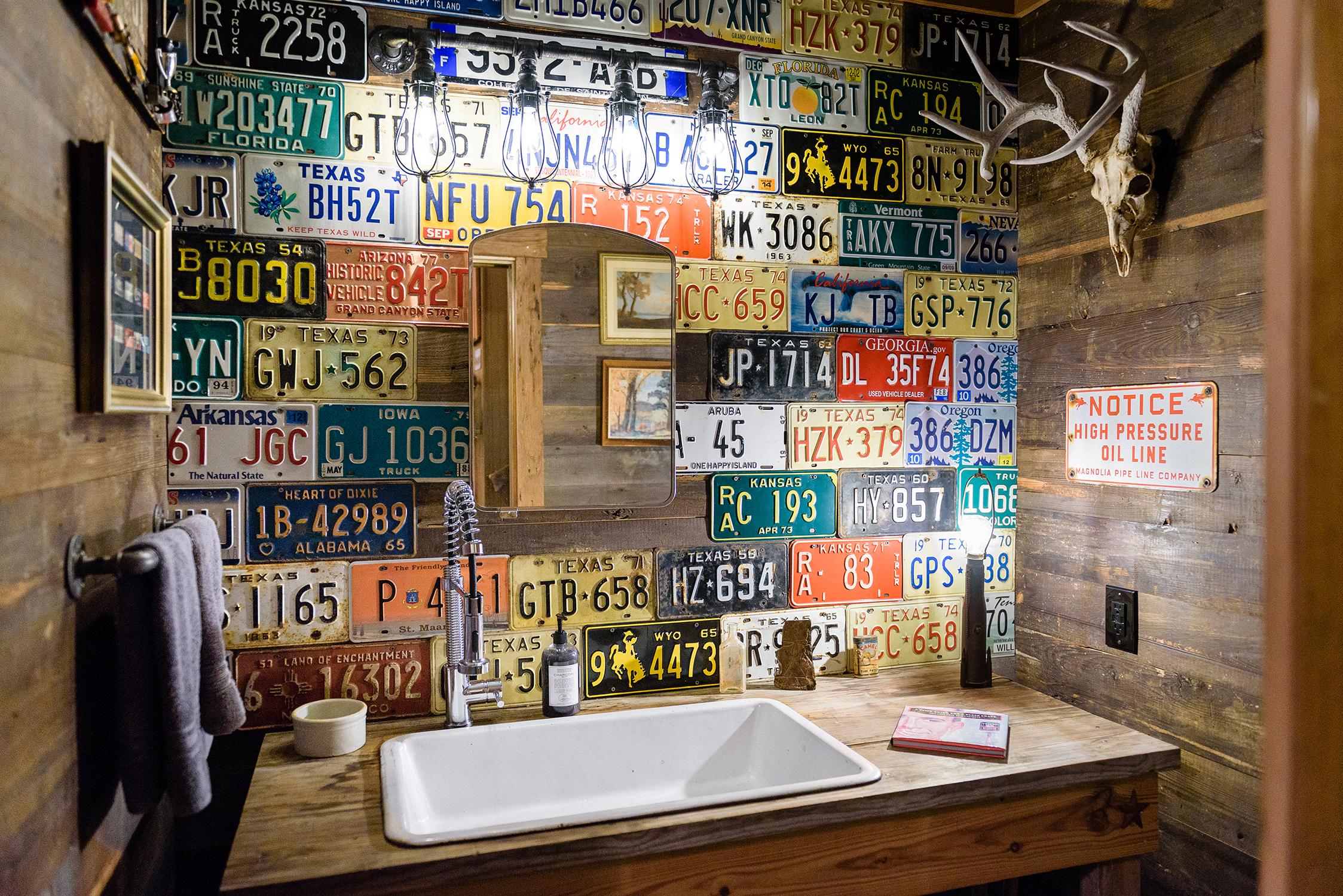 161118-JBB-Man-Cave-Bathroom-99-Web.jpg