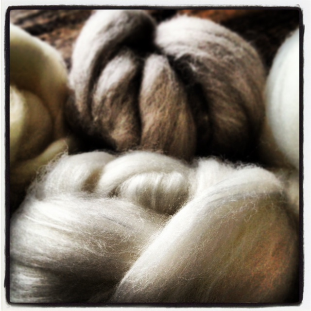 Woollen fibre balls