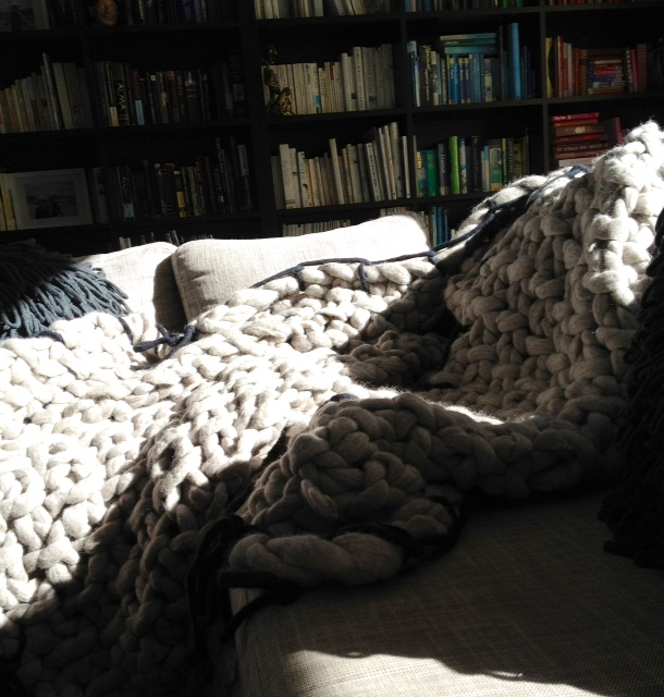 grey-blanket-on-lounge-2.jpg
