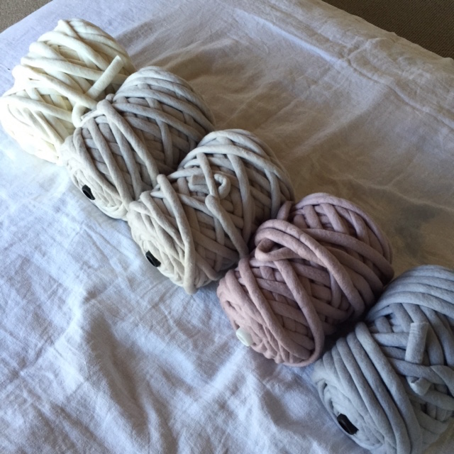 1.5kg bumps in white, sand, putty, dusty rose and dusty blue.